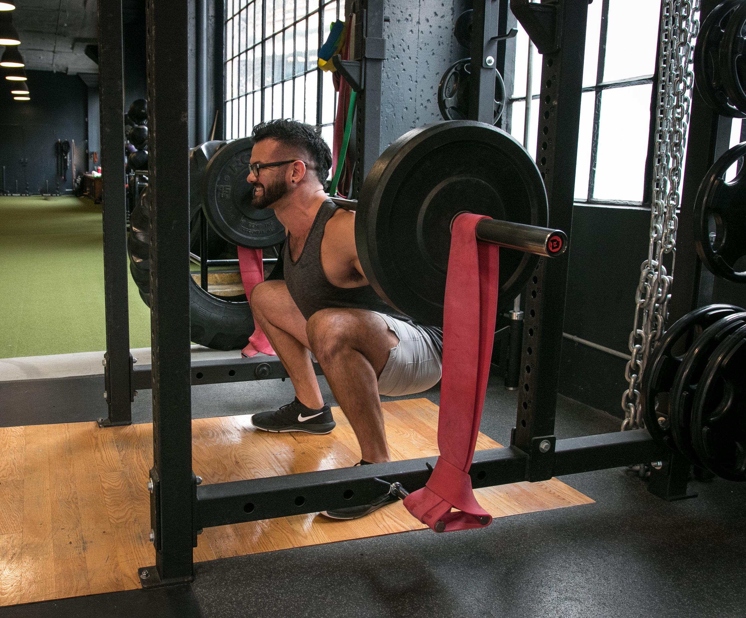 Vargas squat bands resistance training DIAKADI.jpg