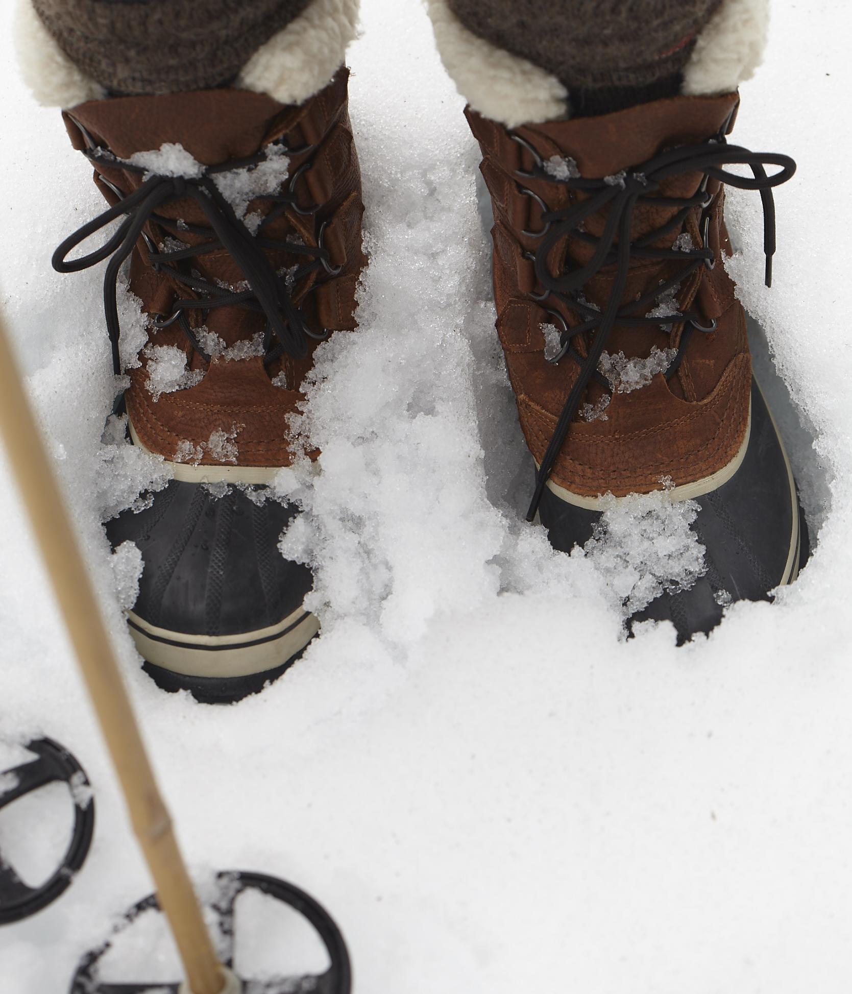 02.23.15_Winter_Cabin_Book_D80123.jpg