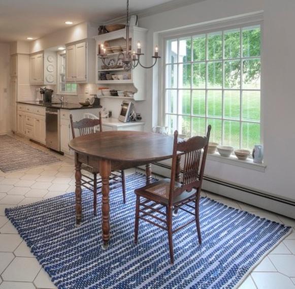 kitchen rug.jpg