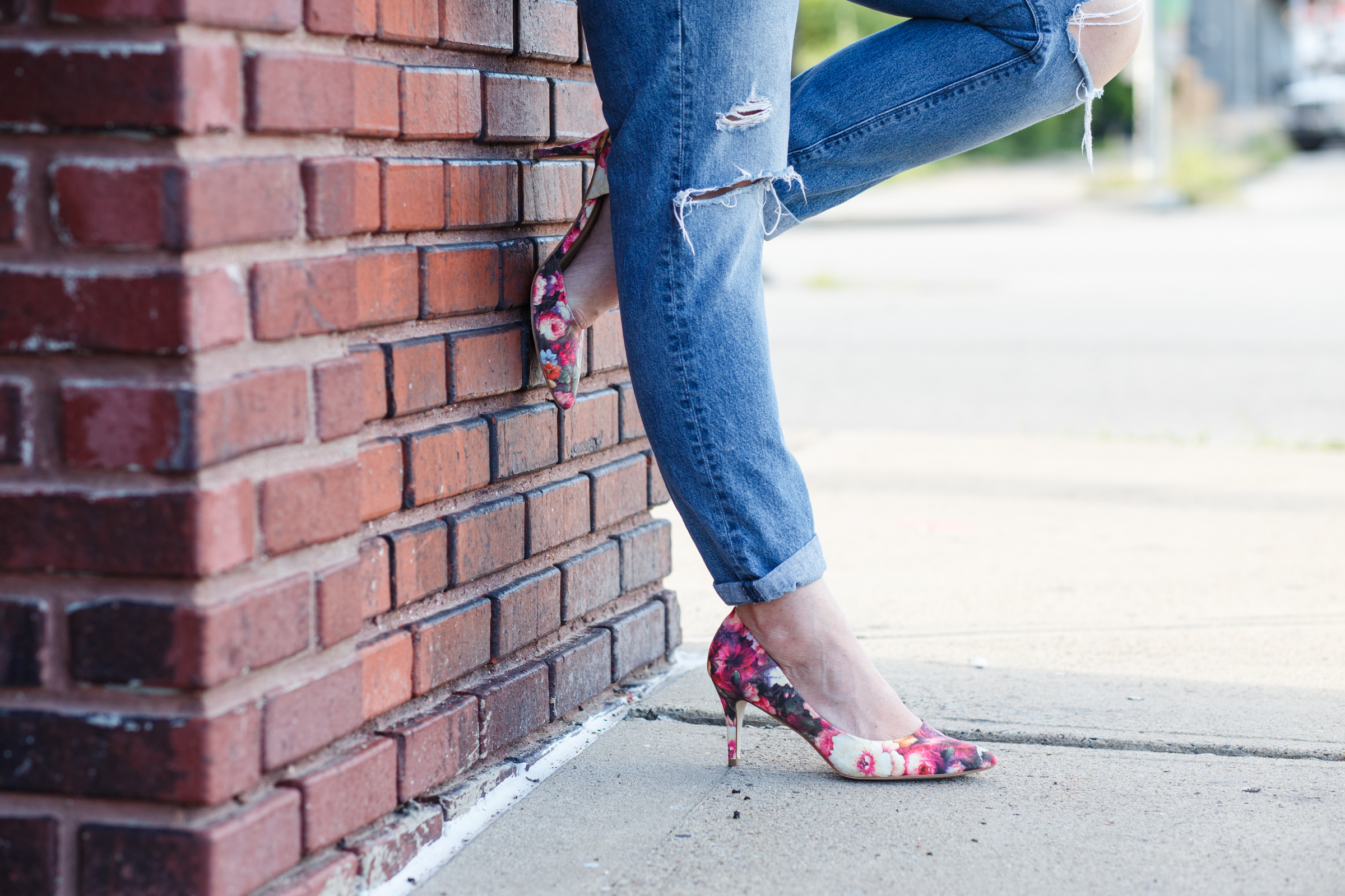 Boyfriend jeans with floral pumps on Sophisticaited.com