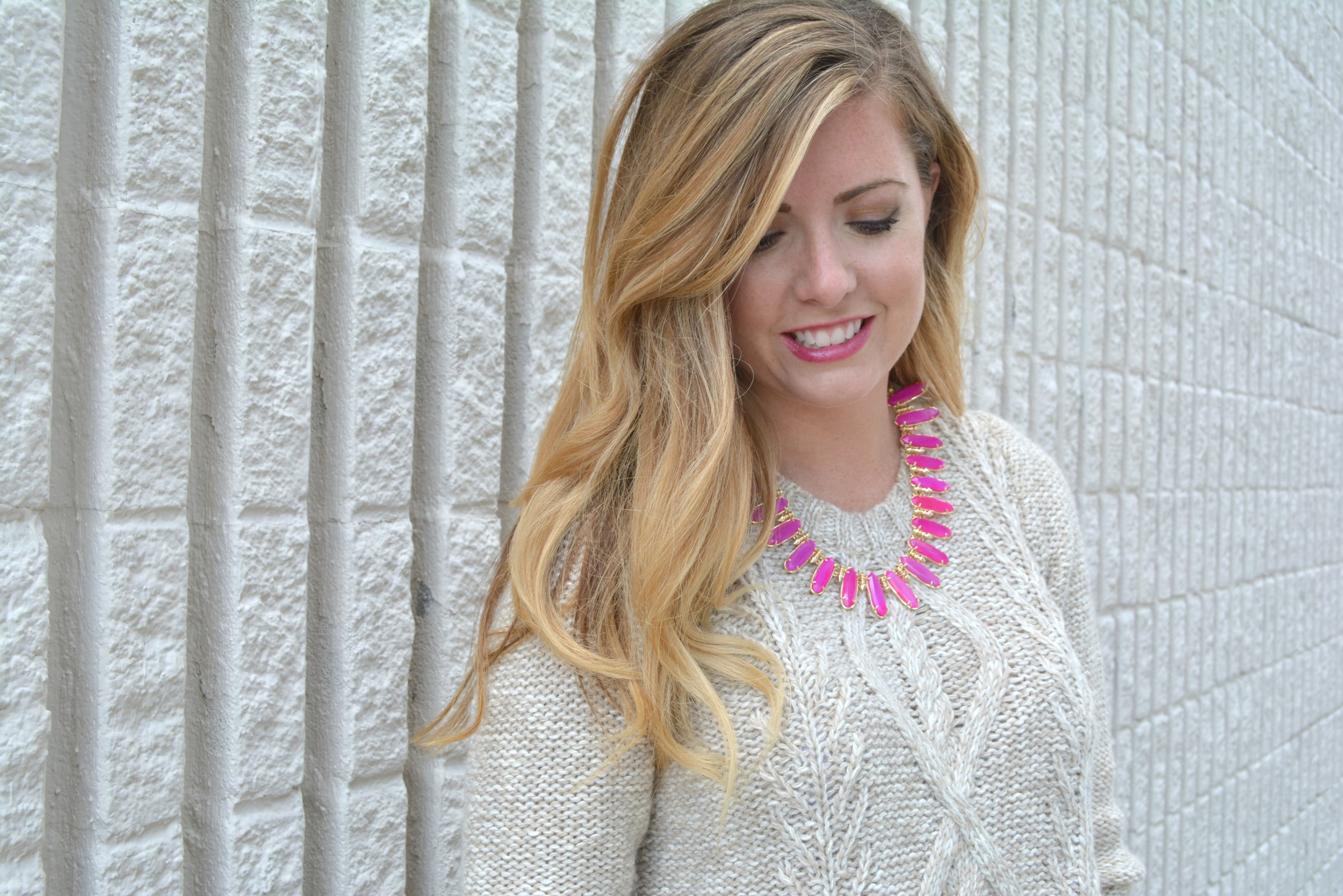 Kendra Scott Gabriella statement necklace styled for fall on Sophisticaited.com