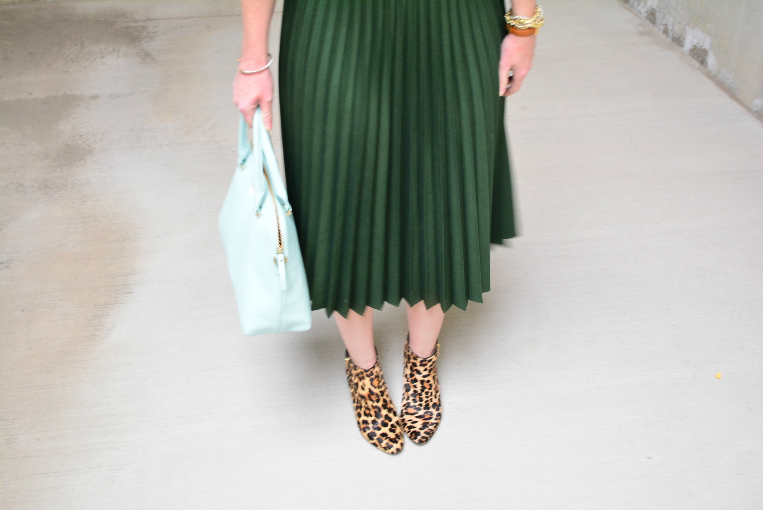 Green maxi skirt with leopard booties