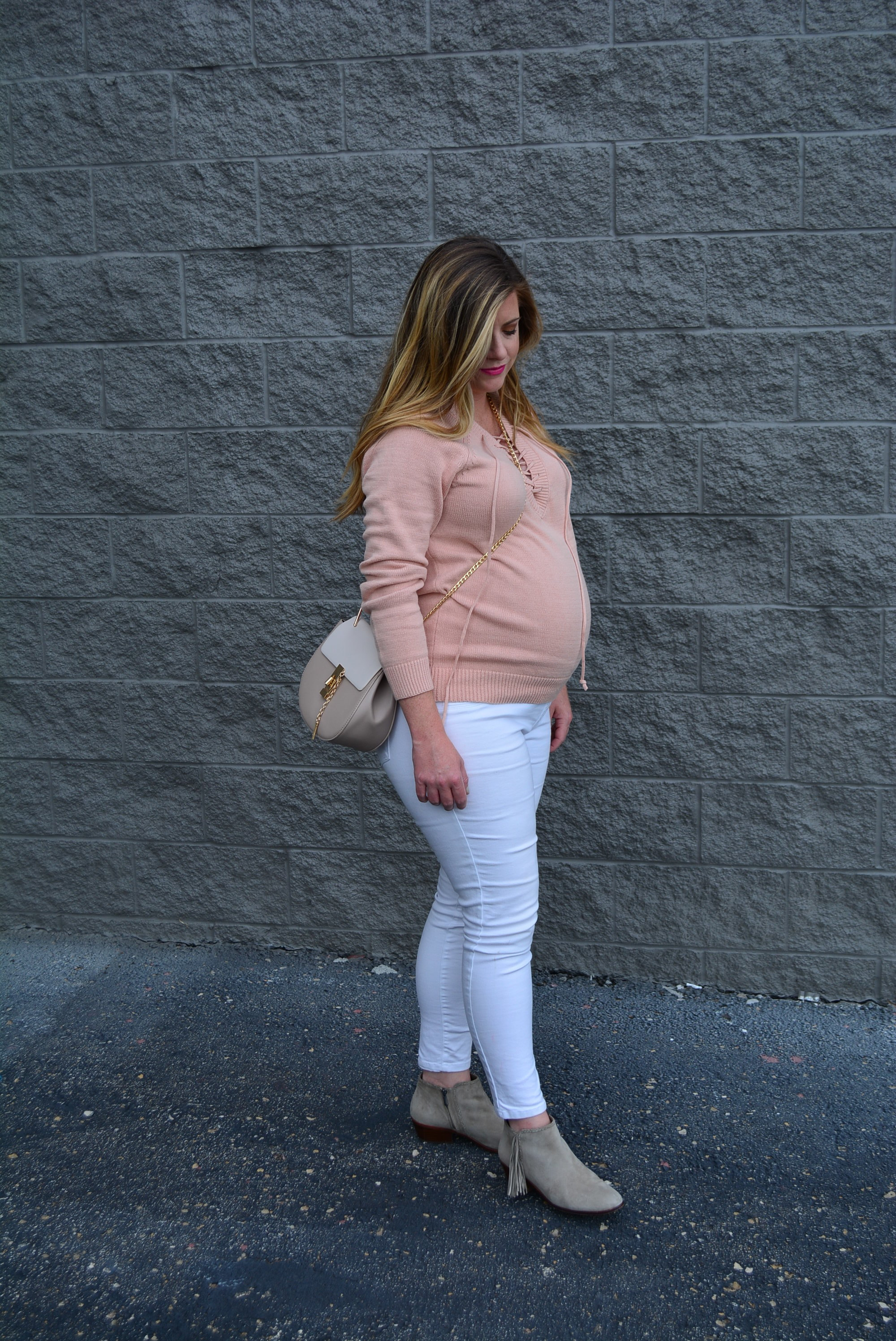 Blush lace up sweater and white jeans for fall