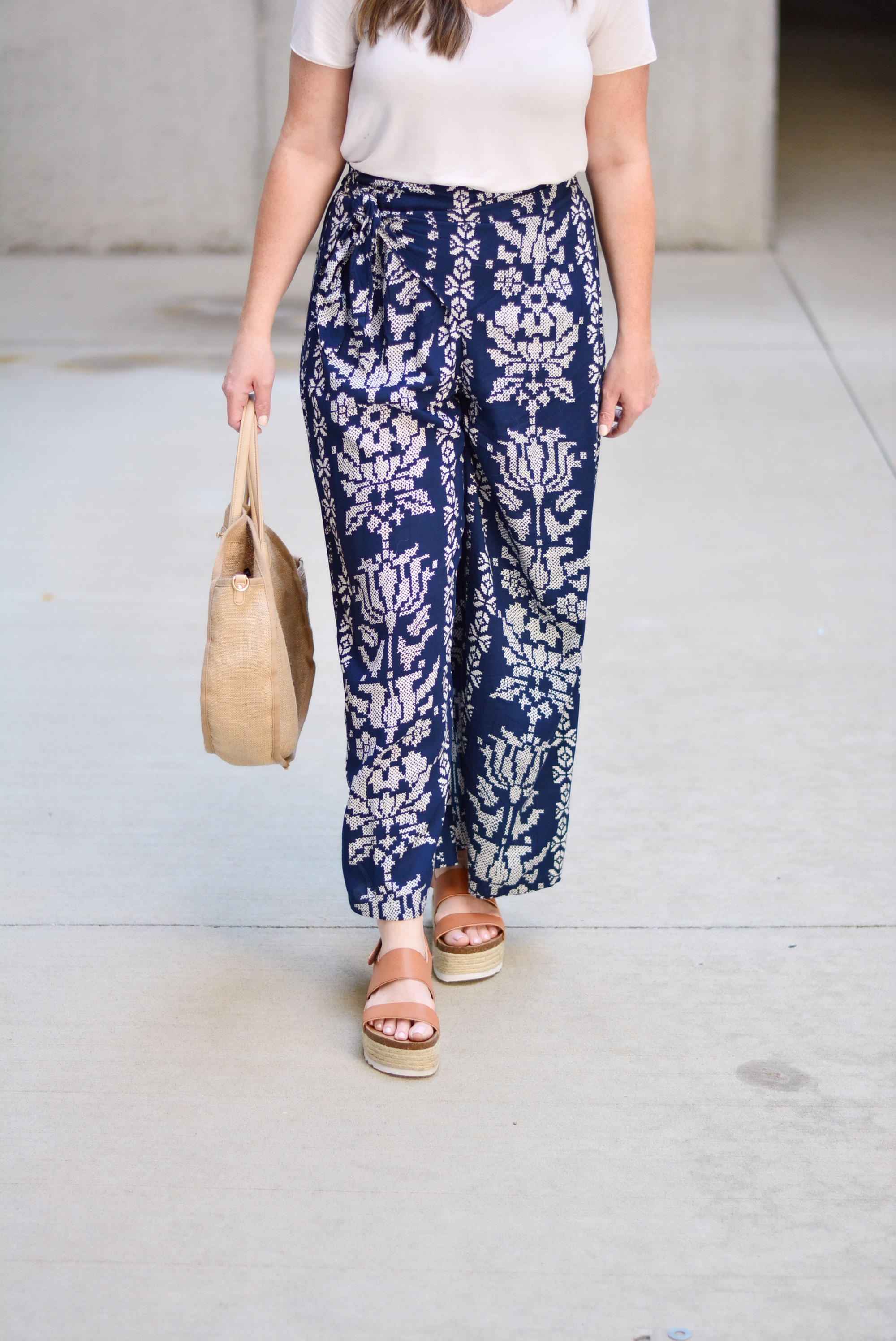 Chic printed wide leg pant for summer