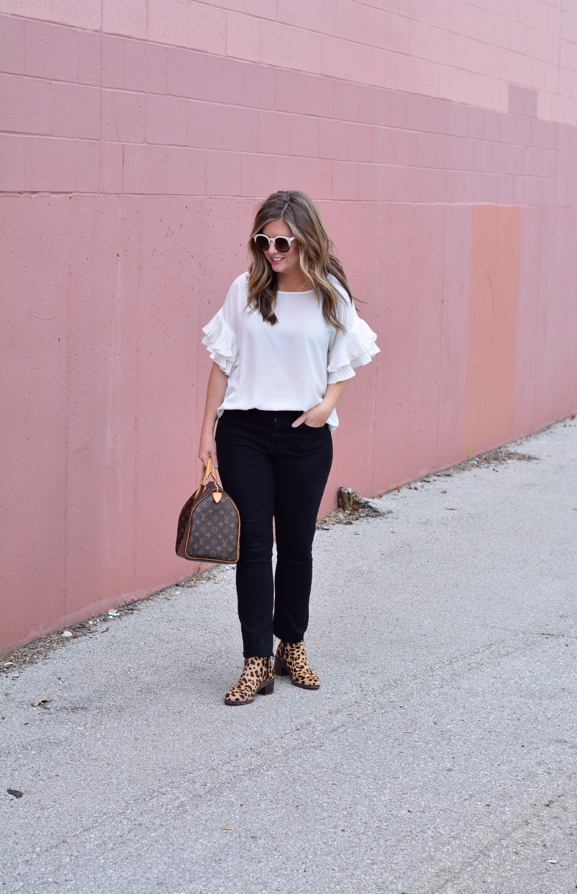 How to wear cropped jeans with booties