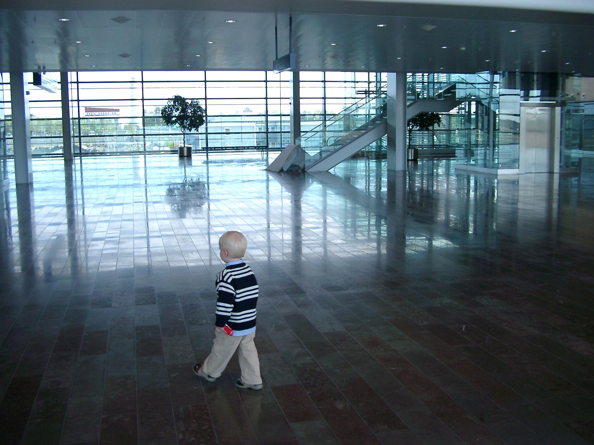 Striding Boy, Arlanda.JPG