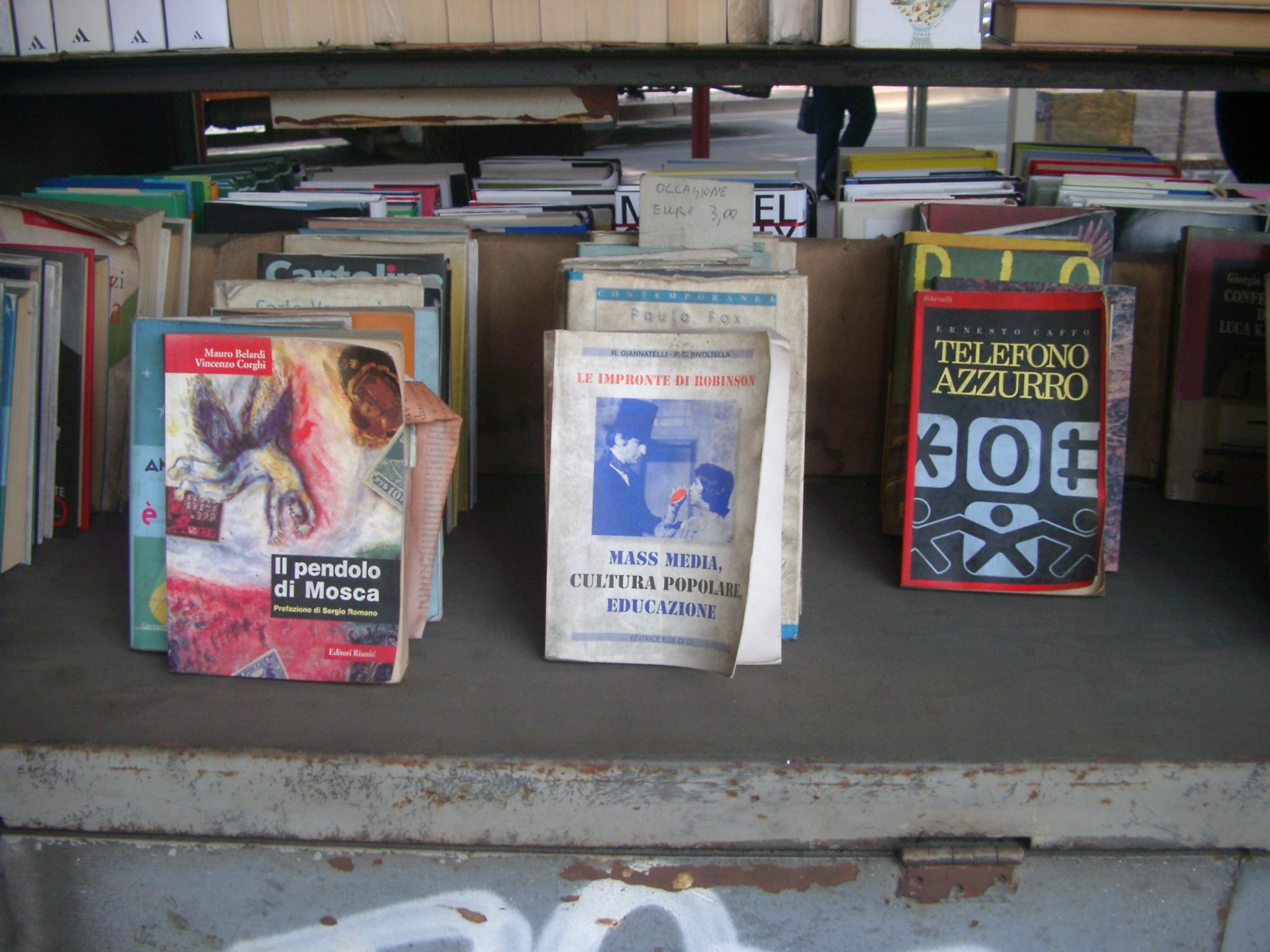 Books, Milan.JPG
