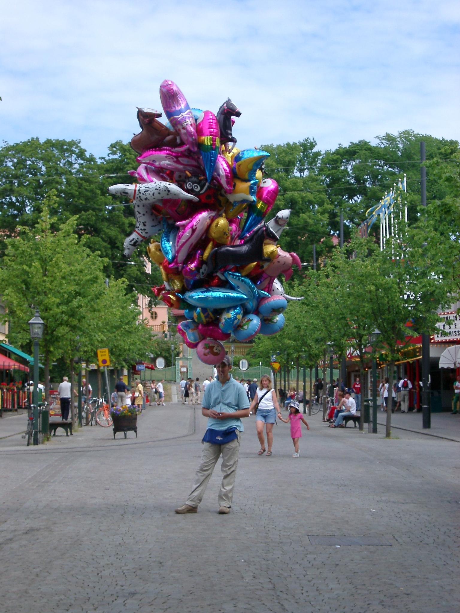 Balloon man, Stockholm.JPG