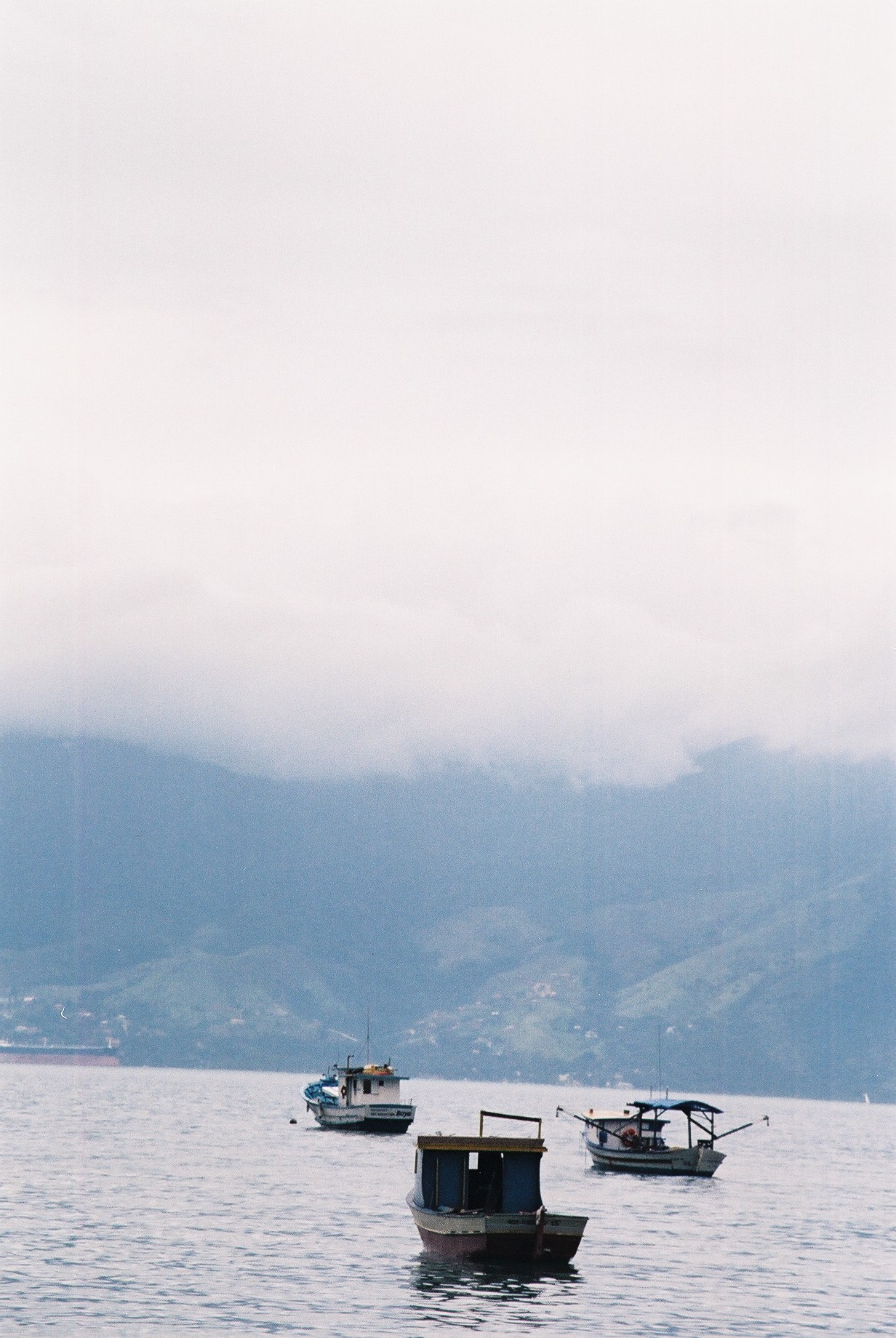 Fishing boats, Sao Sebastiao.JPG