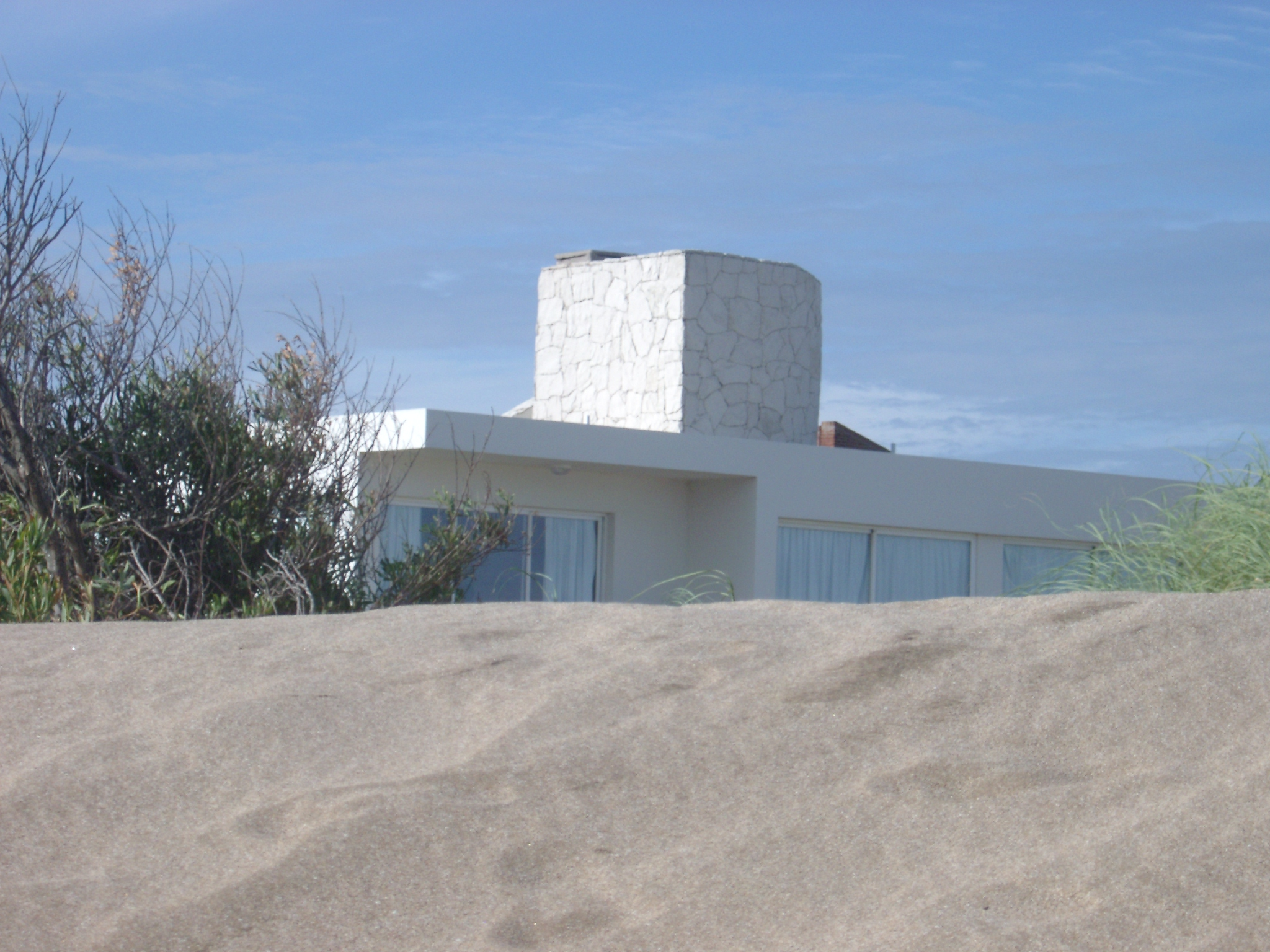 Modernist House, Carilo.JPG