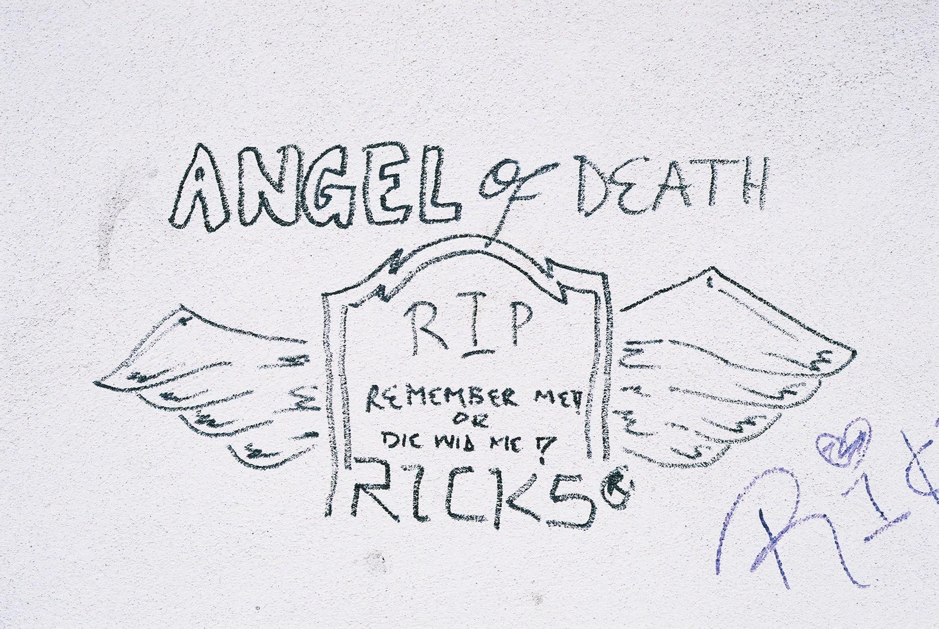 Angel of Death, Islington.JPG
