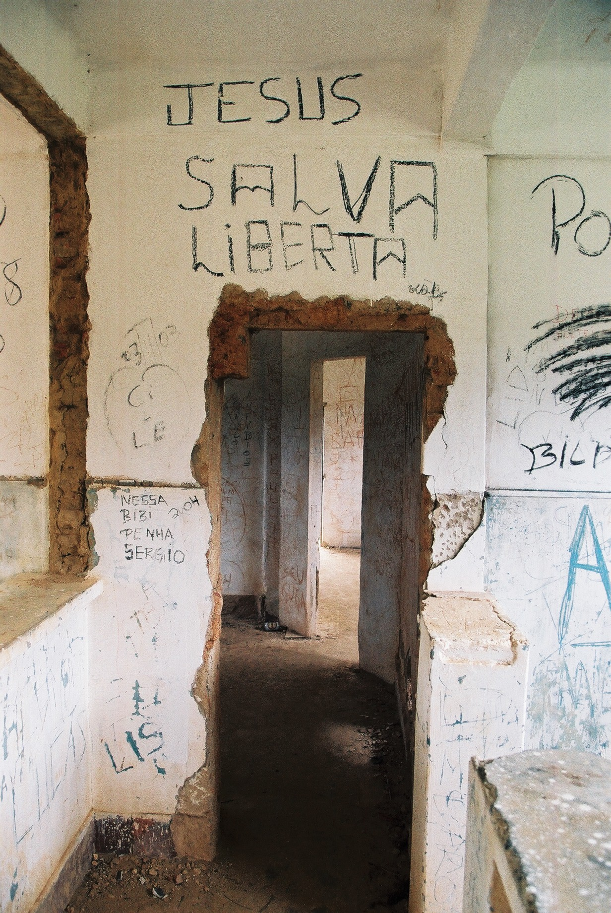 Jesus Salva Liberta, Dos Rios Prison.JPG