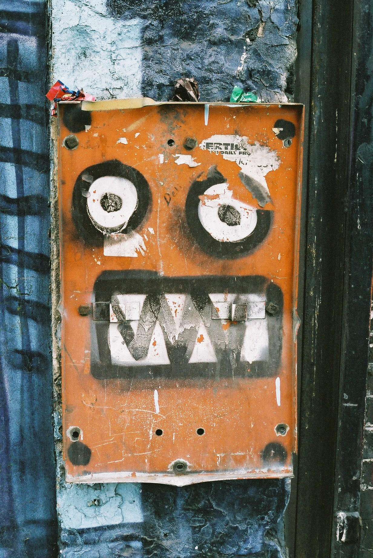 Robot One, Islington.JPG