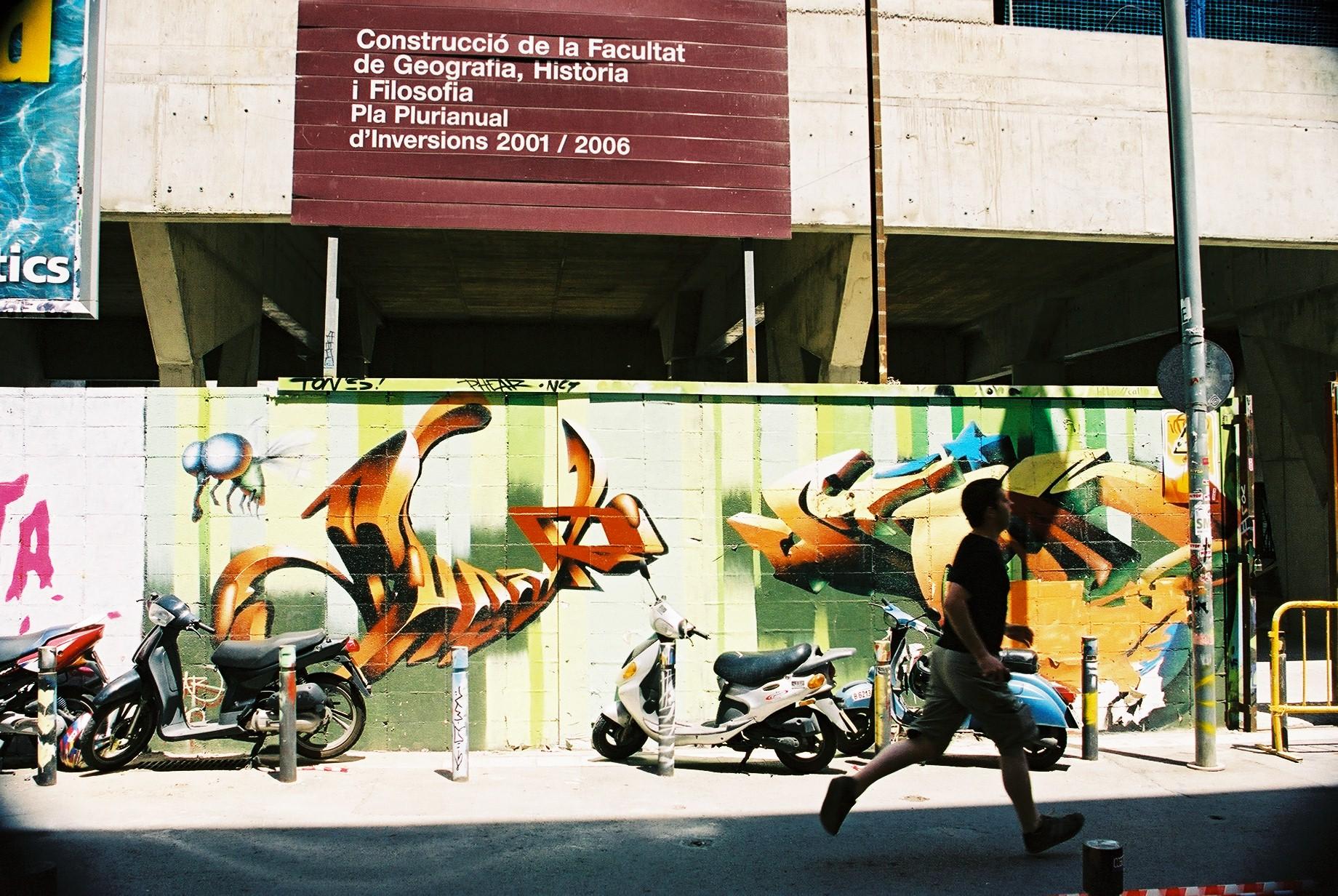 Tags, Barcelona.JPG