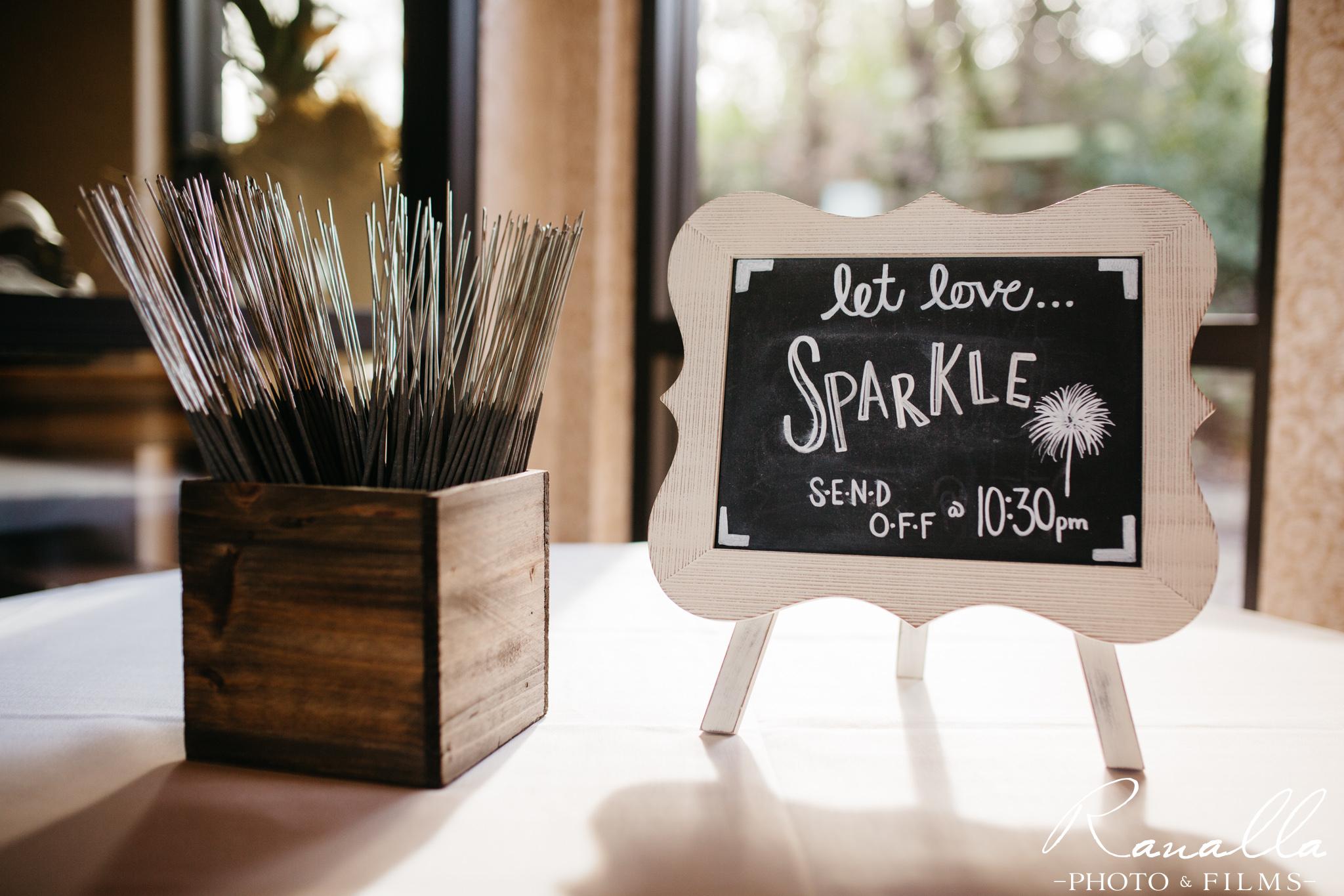 wedding-sparkler-exit-table-chico-wedding-photography-ranalla-photo-films