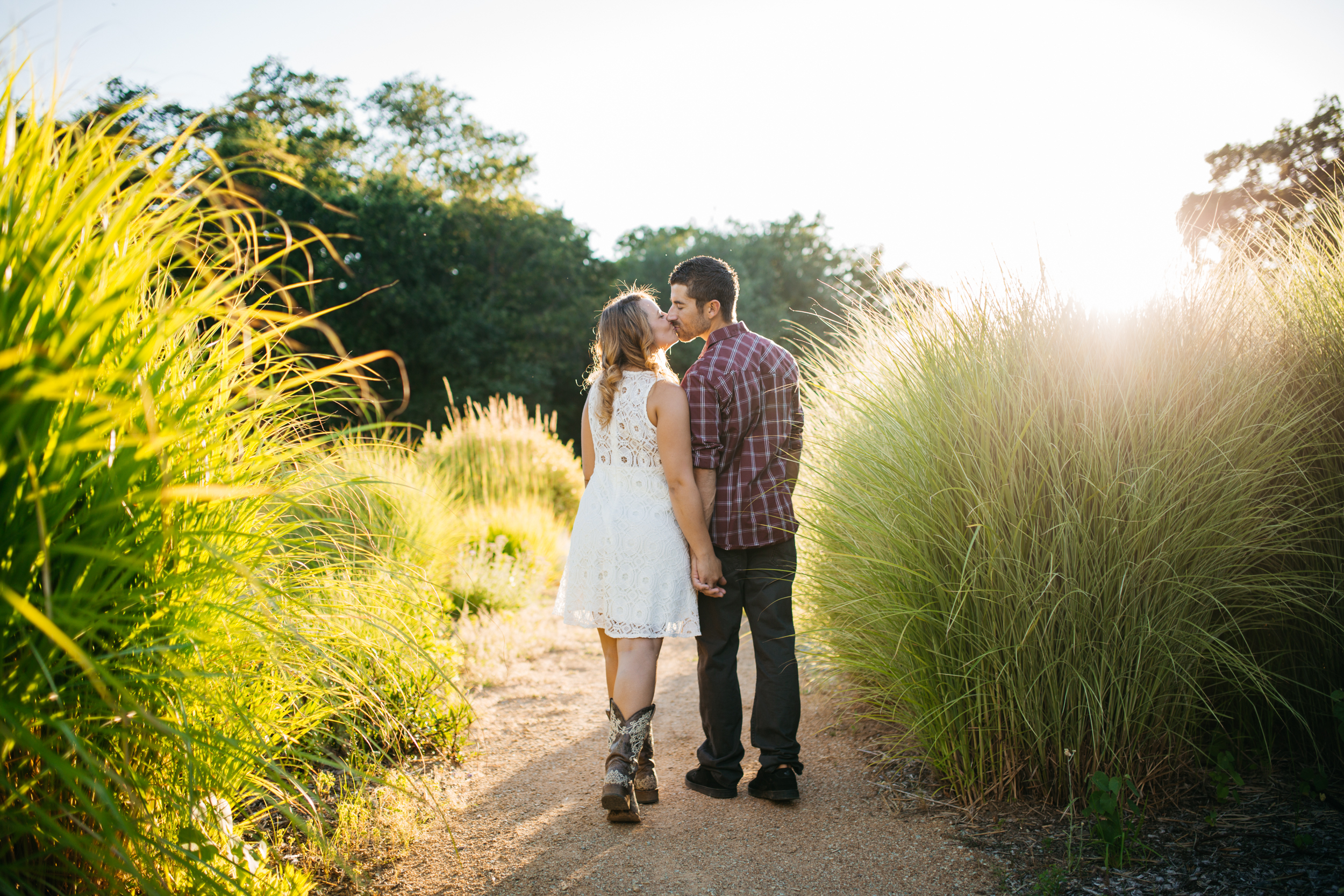 Engagement Photos-Redding-Turtle Bay-Sundial Bridge-Ranalla Photo & Films-Wedding Photography-26.jpg