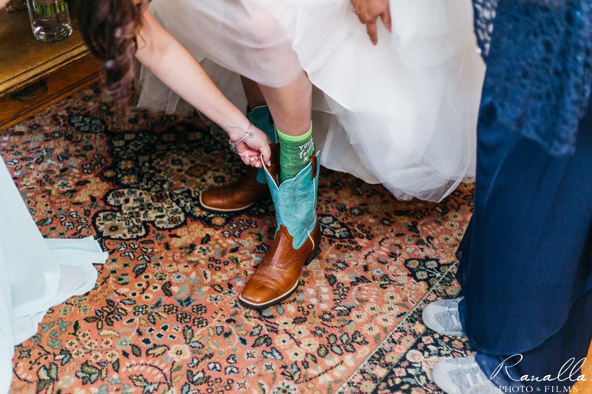 Chico Wedding Photography- Bride Getting Ready- Patrick Ranch Wedding Photos- Ranalla Photo & Films
