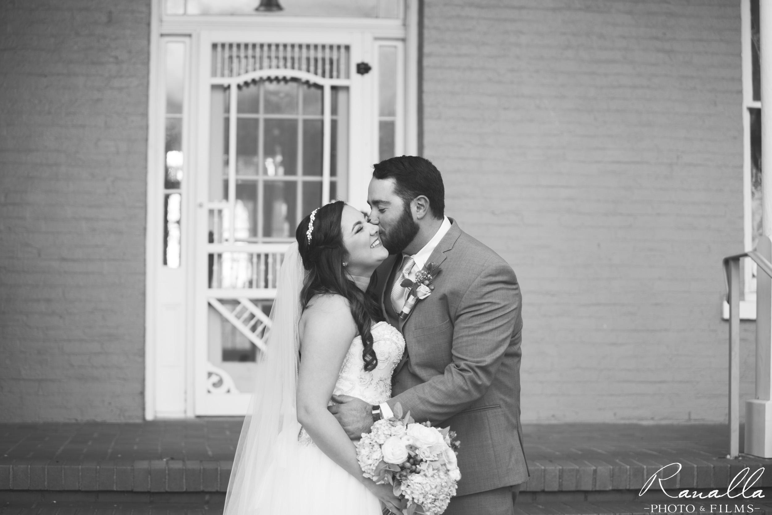 Chico Wedding Photography- Bride & Groom Kiss- Patrick Ranch Wedding Photos- Ranalla Photo & Films