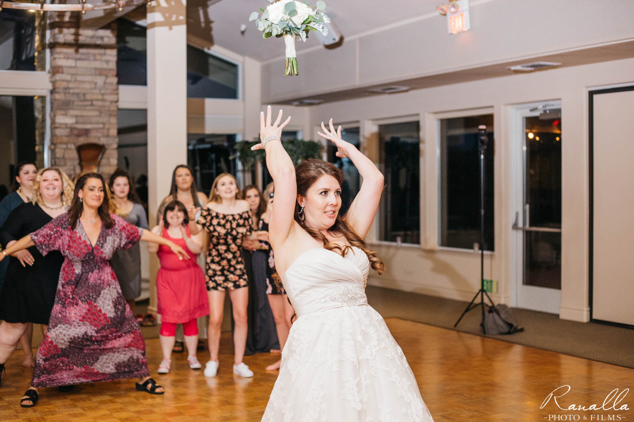 Chico Wedding Photography- Bouquet Toss- Butte Creek Country Club- Simply Elegant Bridal- Ranalla Photo & Films