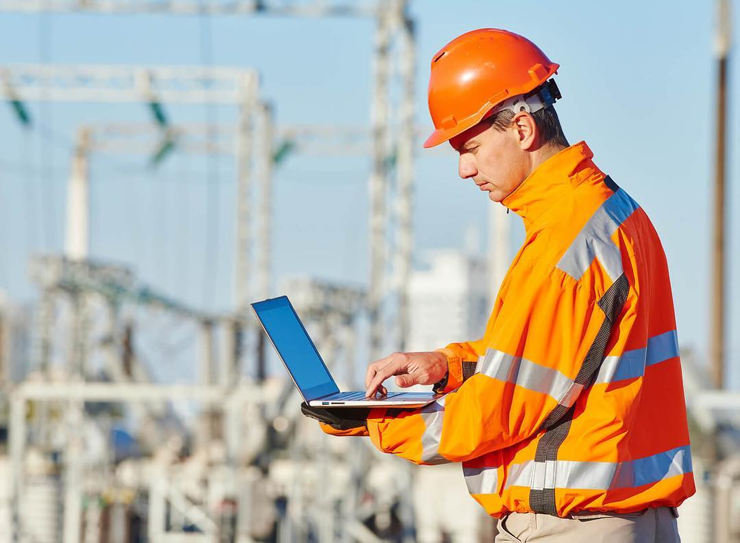 About - Since its conception, SmartBarrel has aided contractors & project managers in maximizing efficiency and effort in the field. SmartBarrel is more than a clocking device, it's a live connected device present on site feeding live information.