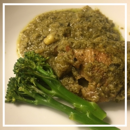 Thigh Curry with steamed tenderstem broccoli