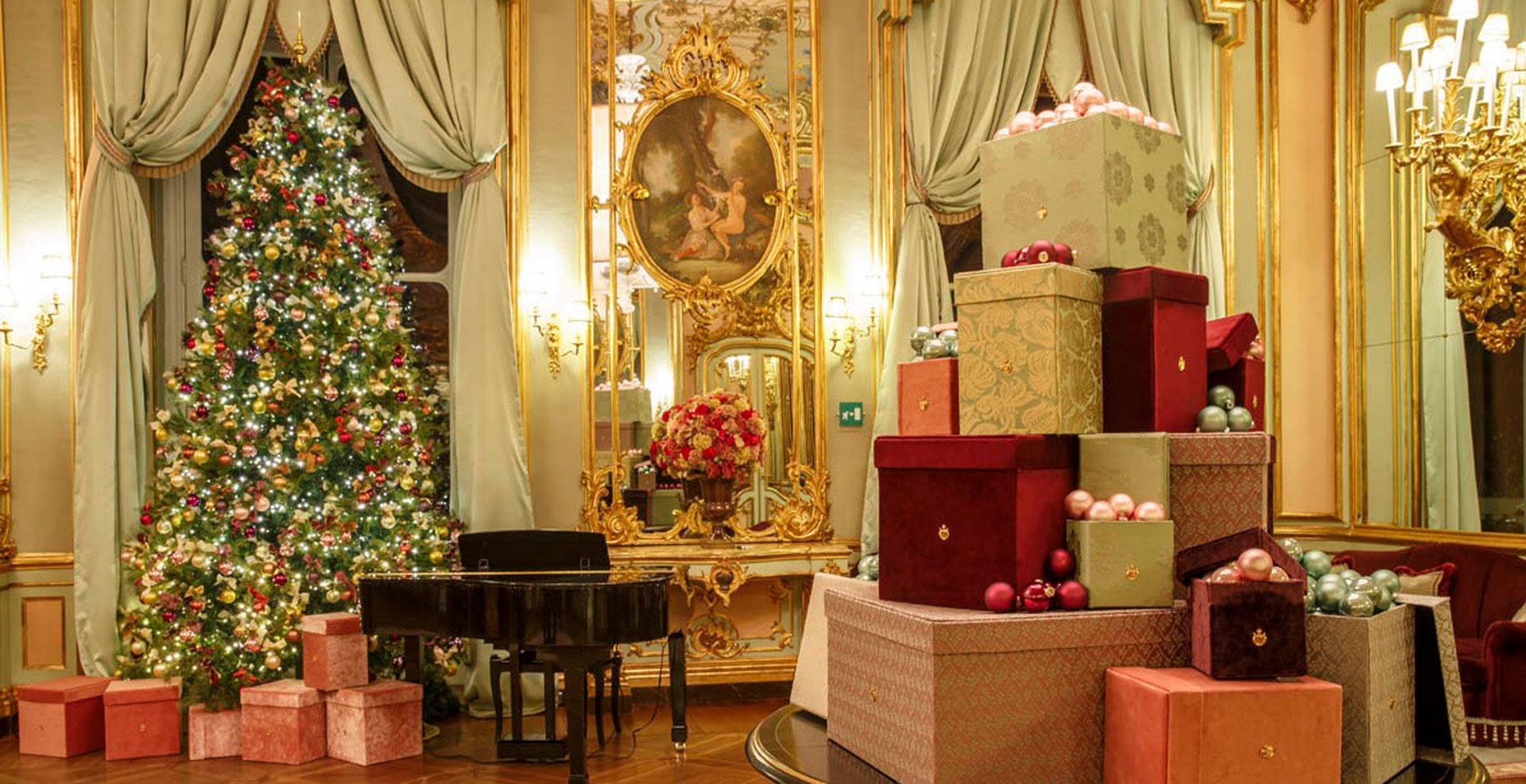 villa cora christmas.jpg