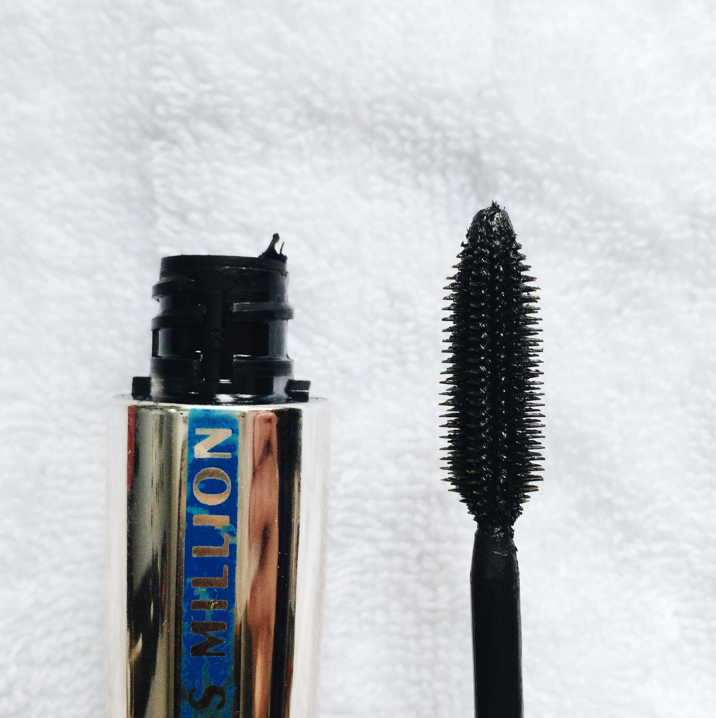 This brush has rubber bristles and it looks like it will really separate my lashes, making them look like it has more lashes. The waterproof formula will help hold the curl of my lashes.