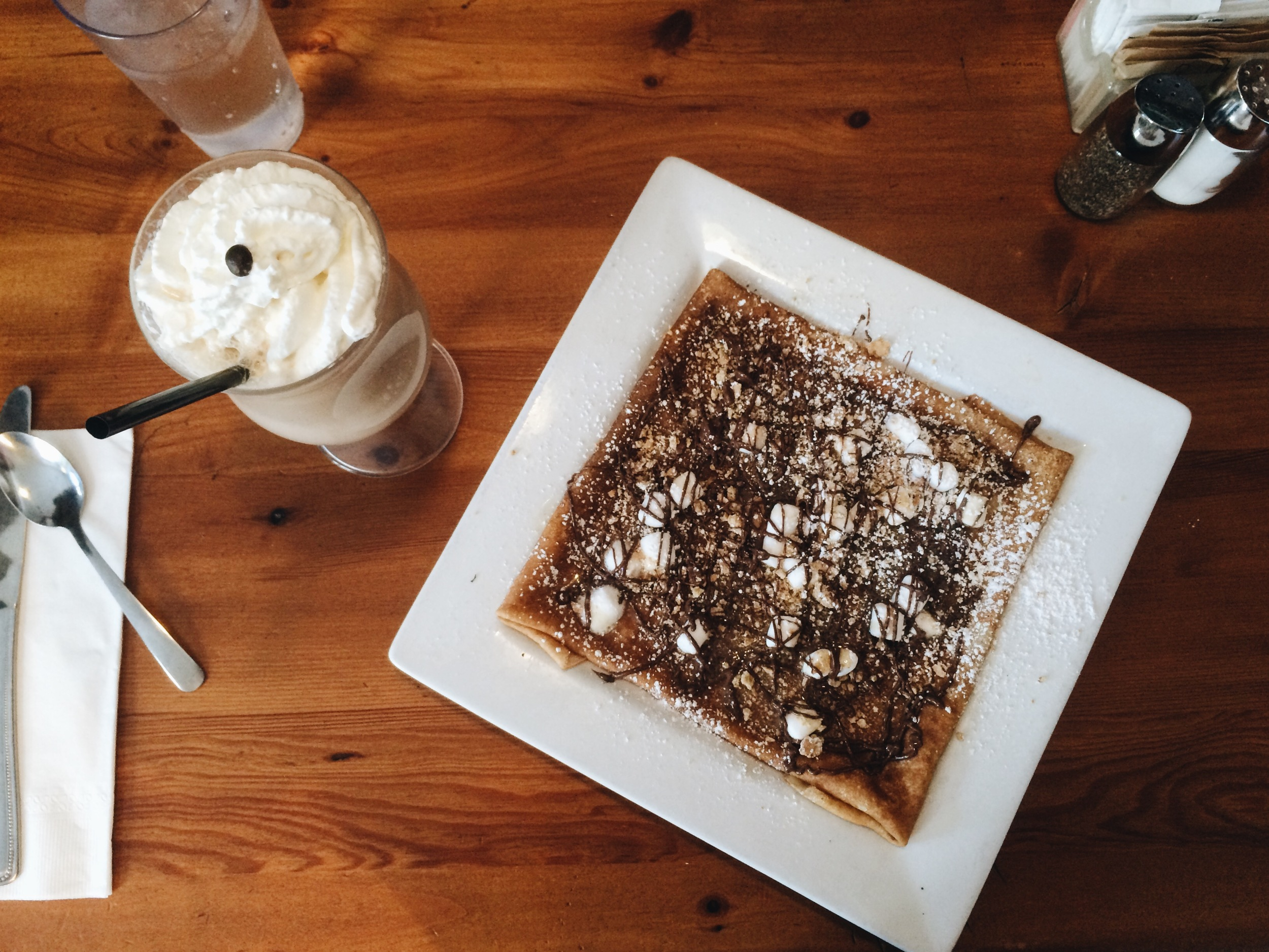 My S'mores crépe and an iced cappuccino.