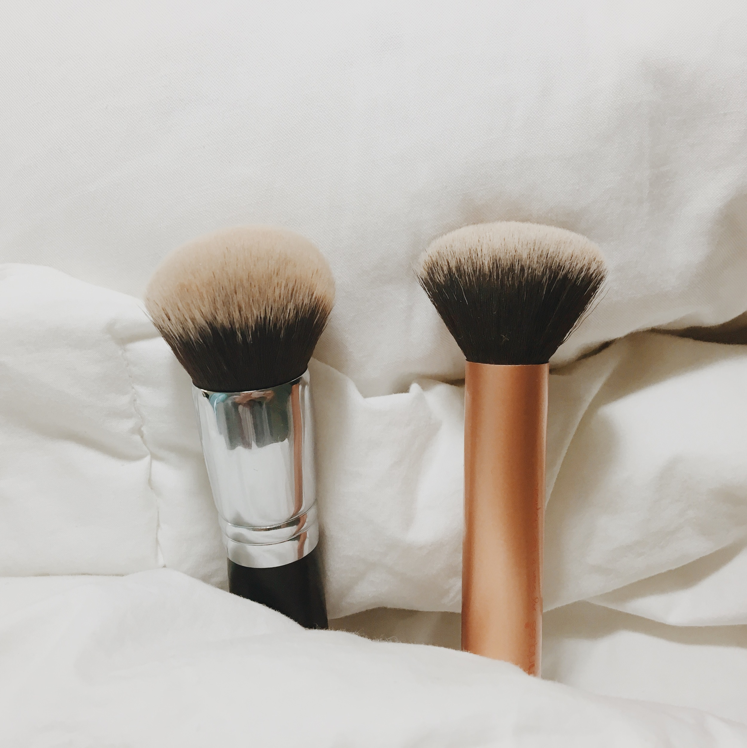 Left: Morphe M439 Right: Real Techniques Buffing Brush