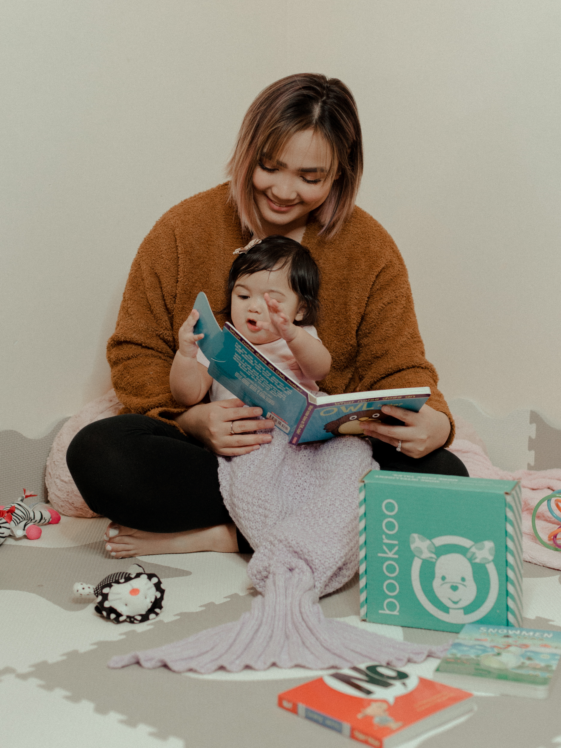 15% off code:corinthsuarez - Get your little one's first Bookroo box today and use my code for 15% off your order!