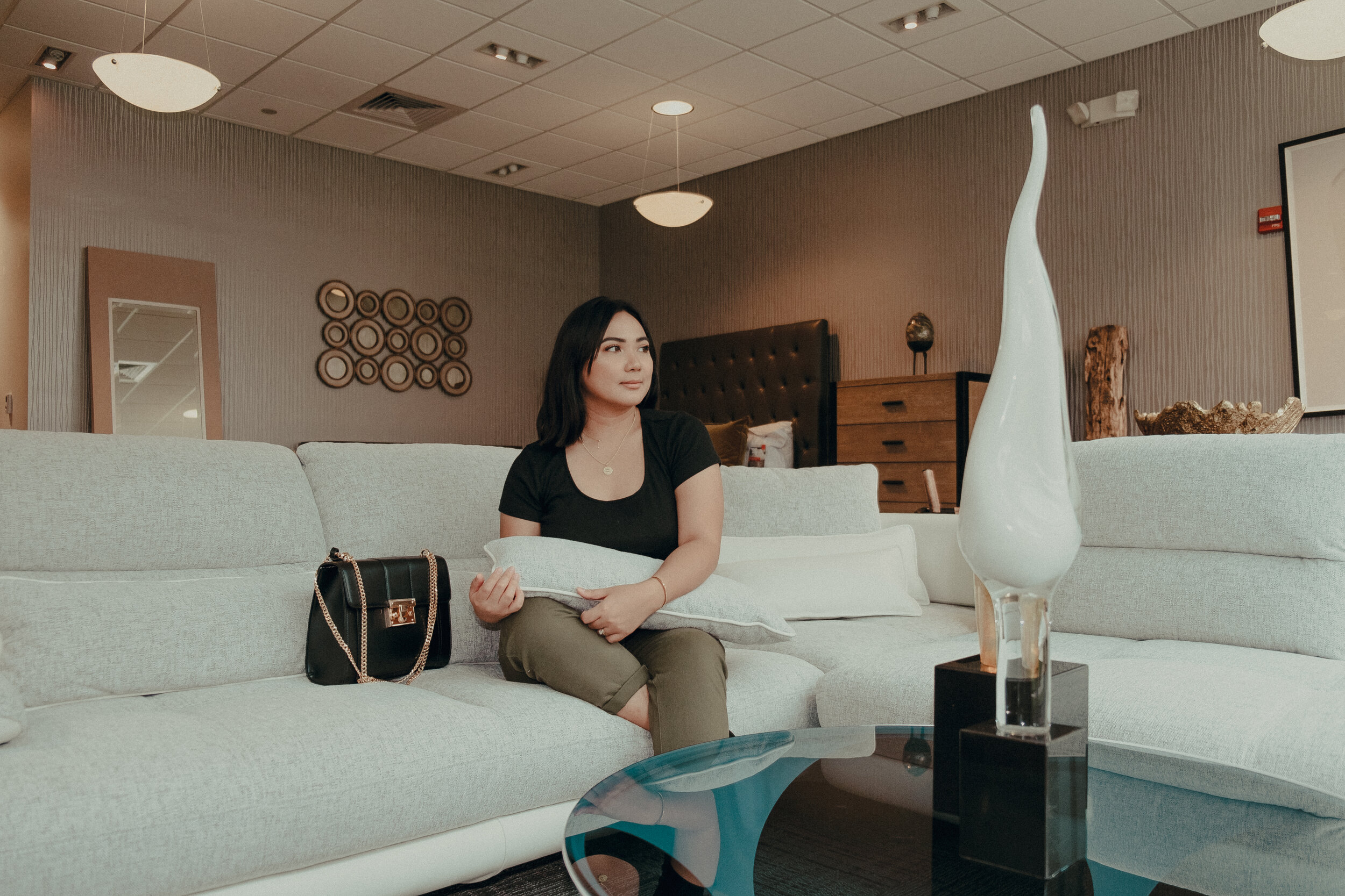 How Cort Furniture Rental Works  Corinth Suarez - Miami, Florida