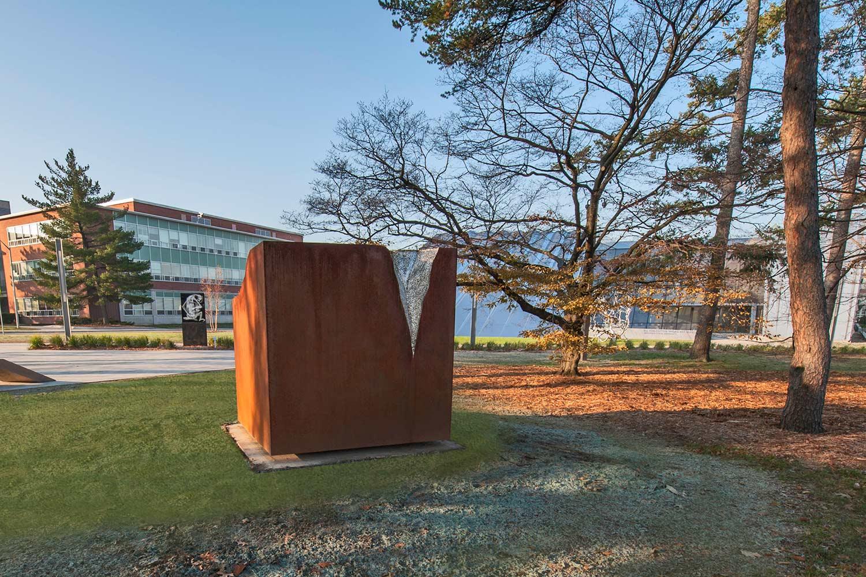 Jonathan-Prince-Sculpture-Garden4-2.jpg