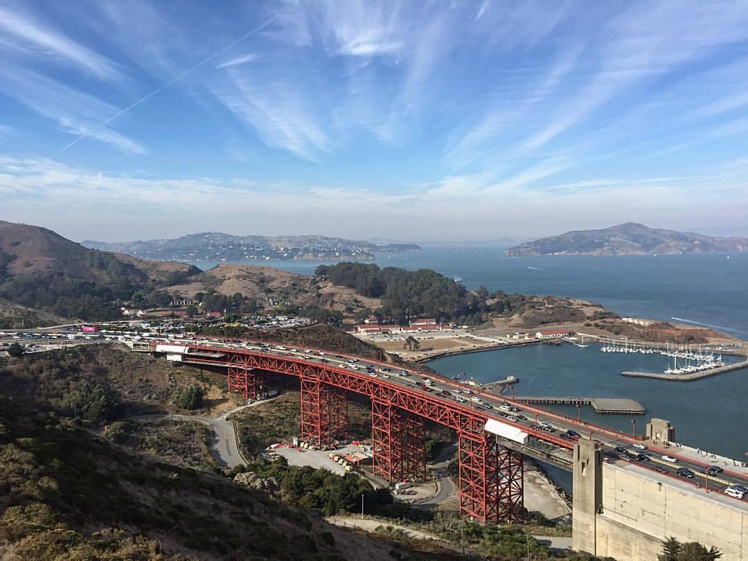 Jet stream  (at Golden Gate Bridge)