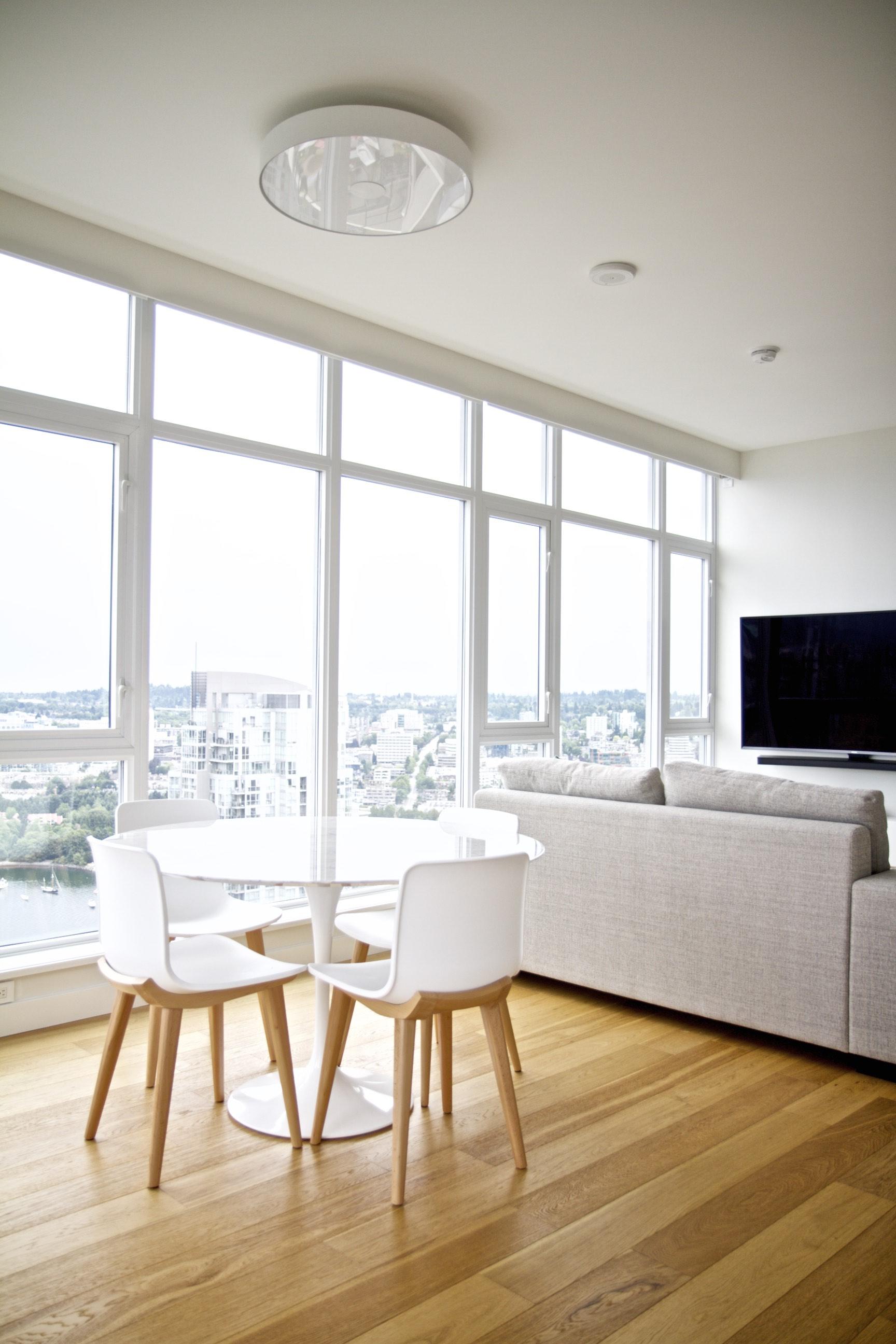 interior-design-mocoro-studio-yaletown-condo-beautiful-warm-living-cozy-city-dwell-curated-bespoke_2682.jpg