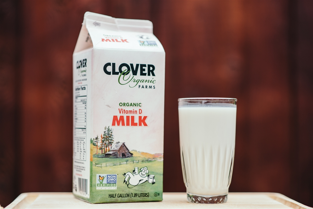 Clover Organic Farms - Clover Organic Farms is a socially responsible and environmentally-friendly company that works to produce high quality organic milk at a local level. They are non-GMO project certified, USDA organic certified, and HACCP certified. While all the Motley's milk is sourced from California, thereby reducing gas emissions used during transport, Clover provides our heavy whipping cream. To give it a try, ask for your drink with whipped cream!