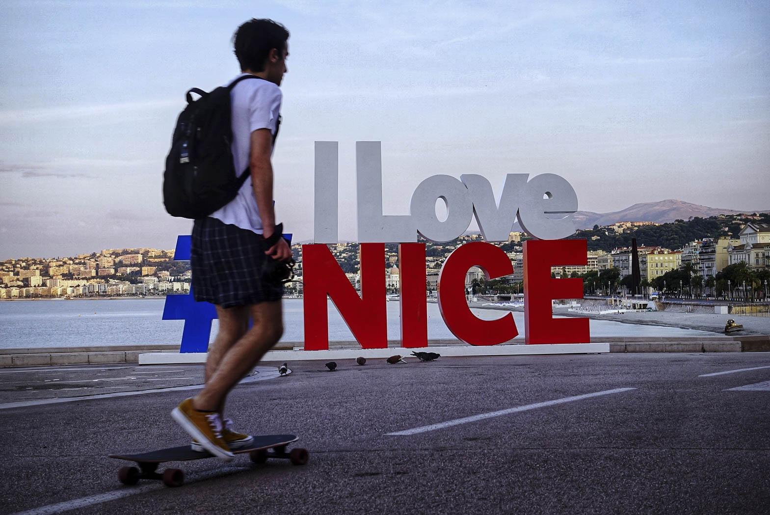 ILoveNice-Small (1 of 1).jpg