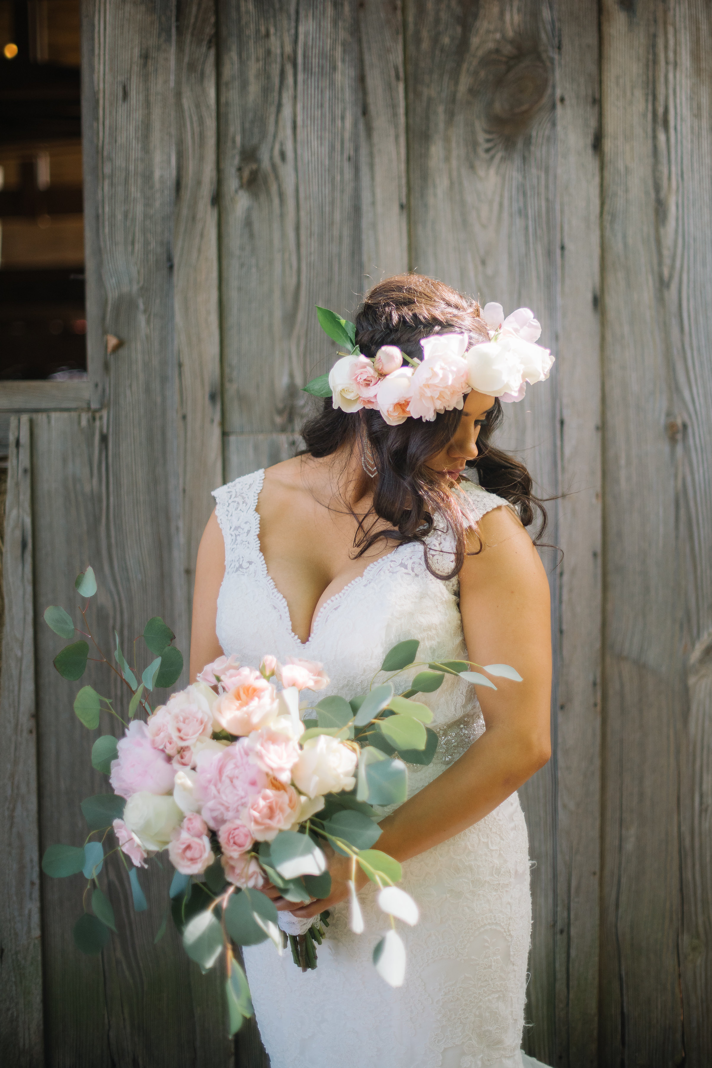 Lucy was the most gorgeous bride and flawlessly pulled off the most beautiful floral crown!