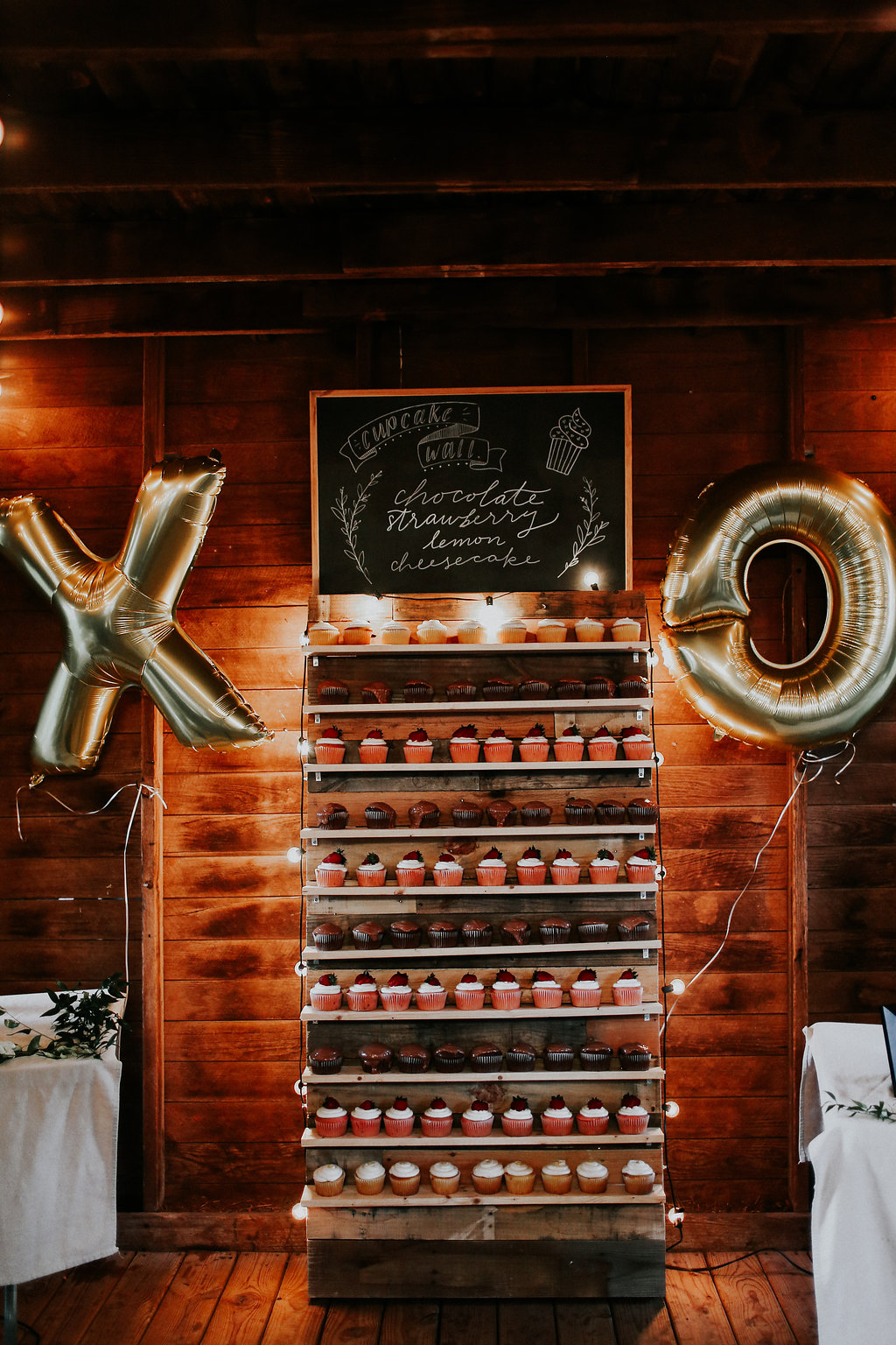 This cupcake wall was to die for!