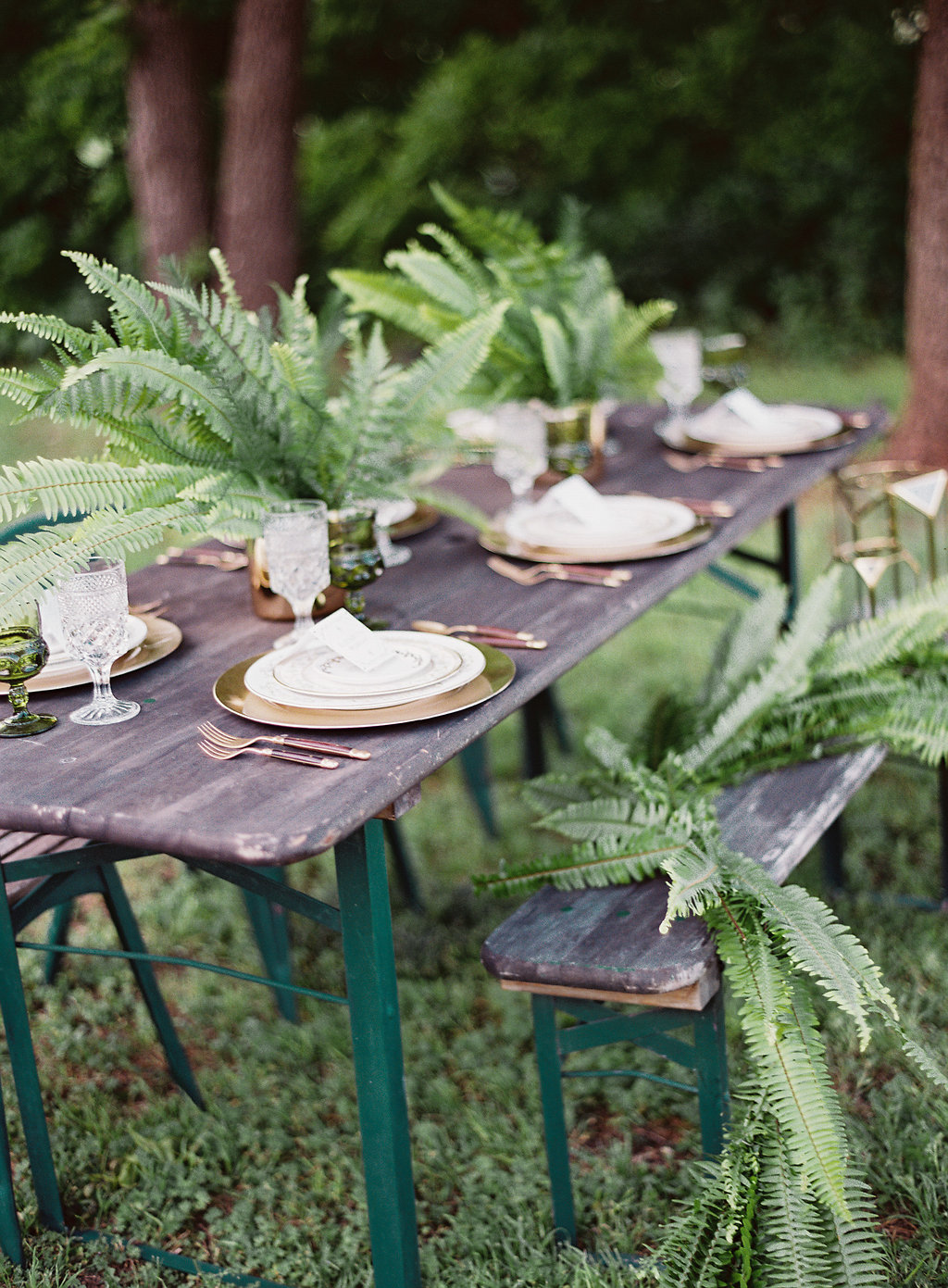 With rentals from Vintage Tabletop Rental and meticulously thought out styling by Danielle Guthrie at www.danielleelizabethinc.com, the whole shoot came alive!