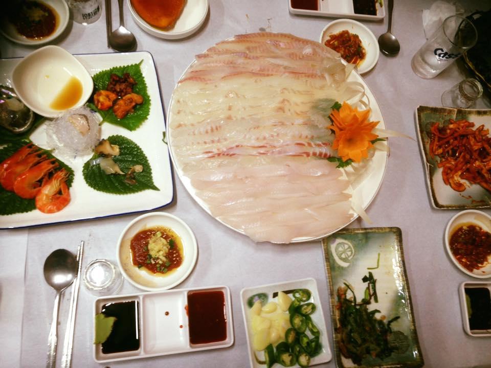 Hwal-uh-Hoeh (Korean-style Sashimi)