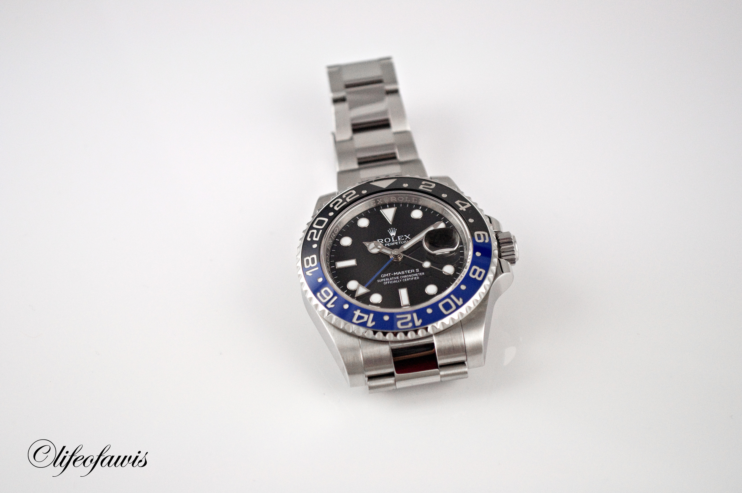 The addition of the blue on the bezel really makes the entire watch pop.