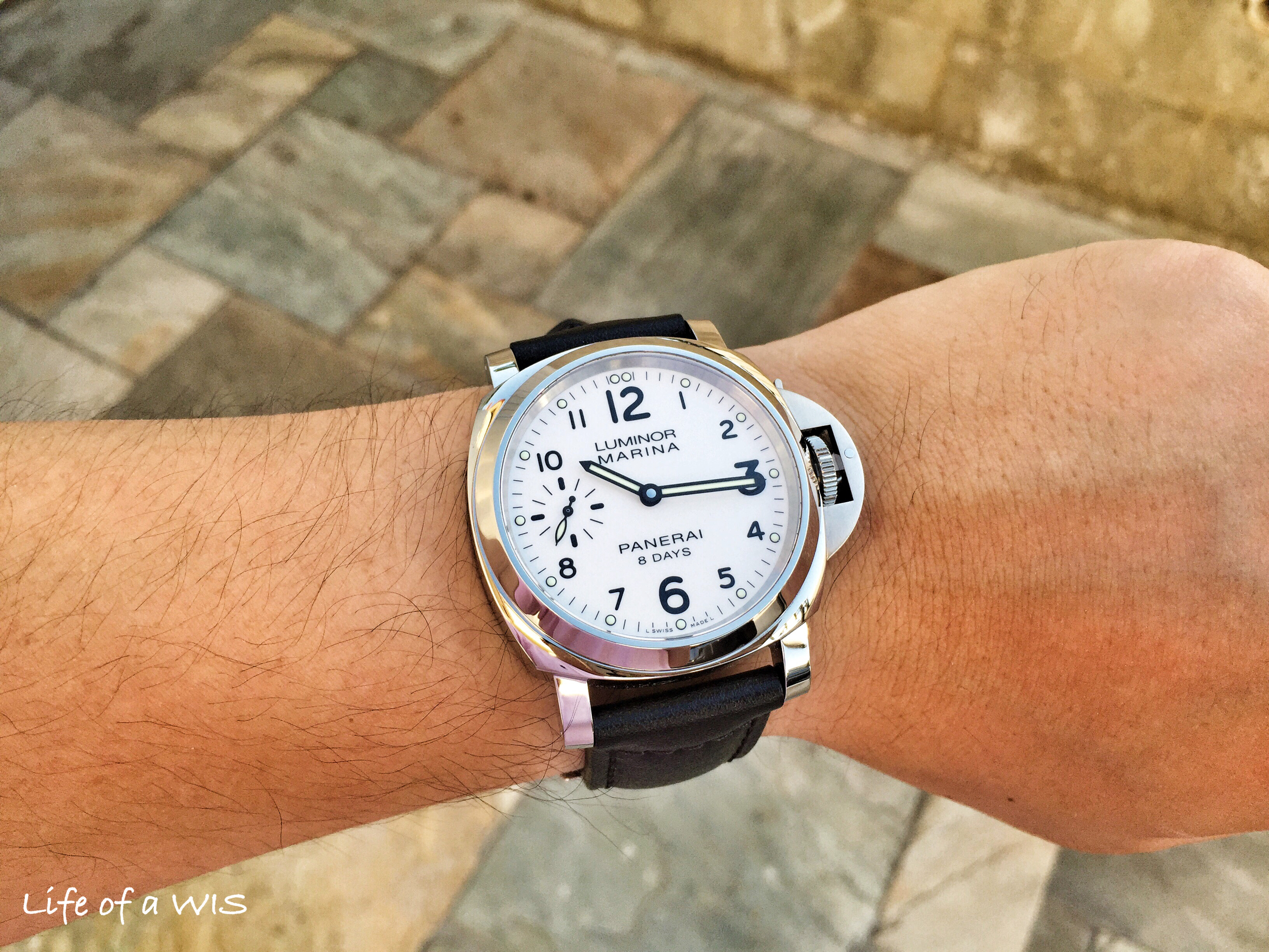 The white dial looks fantastic on the wrist!