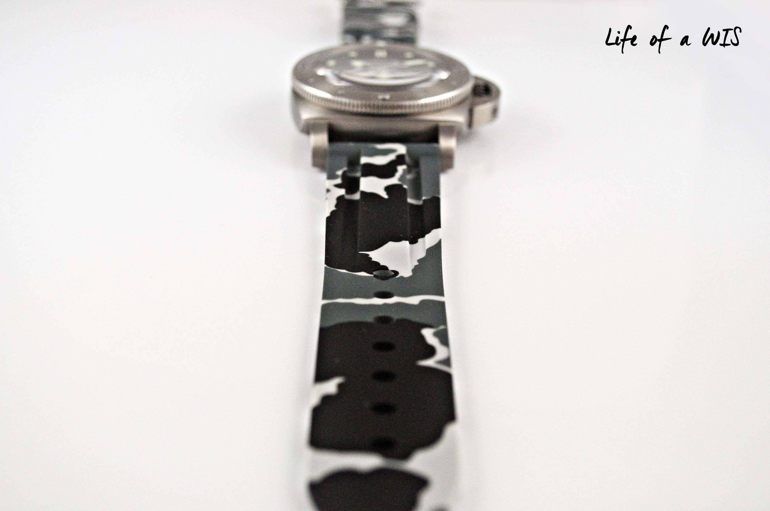 Every strap features a unique camo pattern.