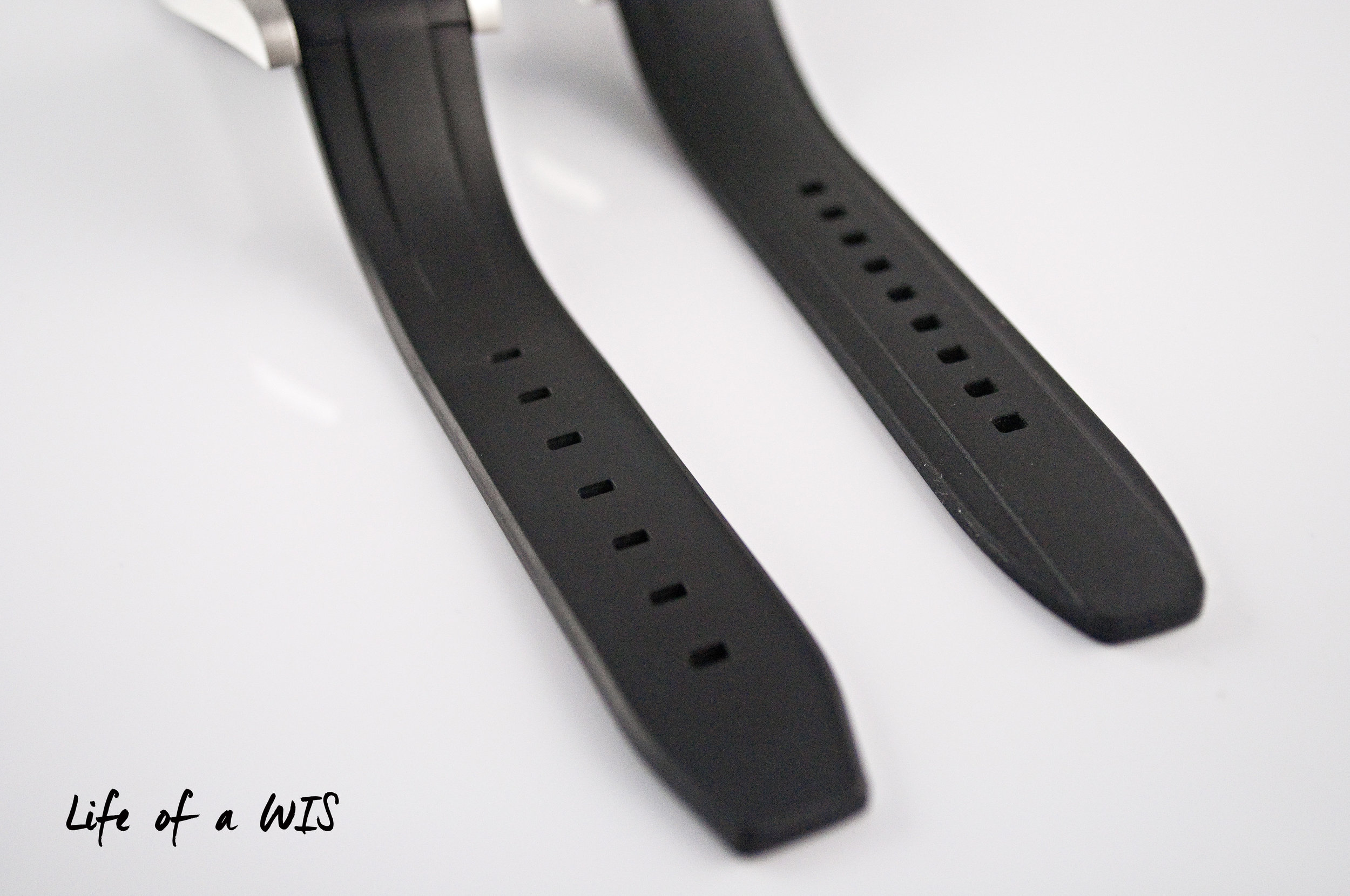 The raised middle section on the straps is where the design differs between the two brands. Rubber B on the left, Everest on the right.