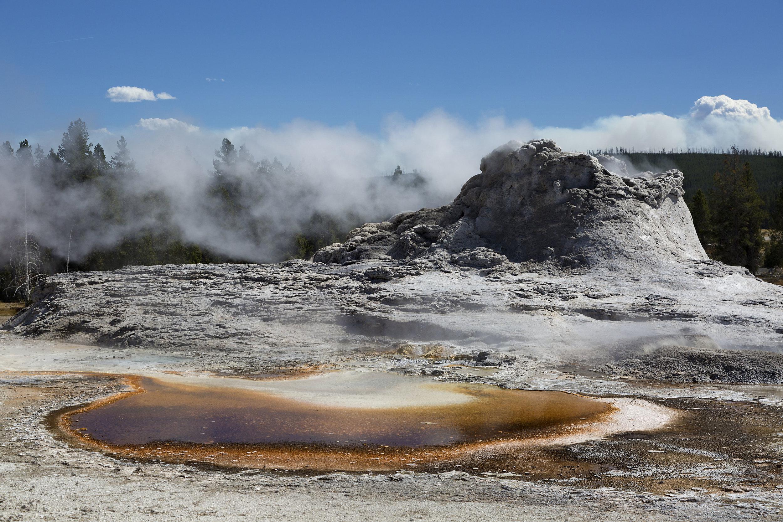 U Geyser Basin 3.jpg