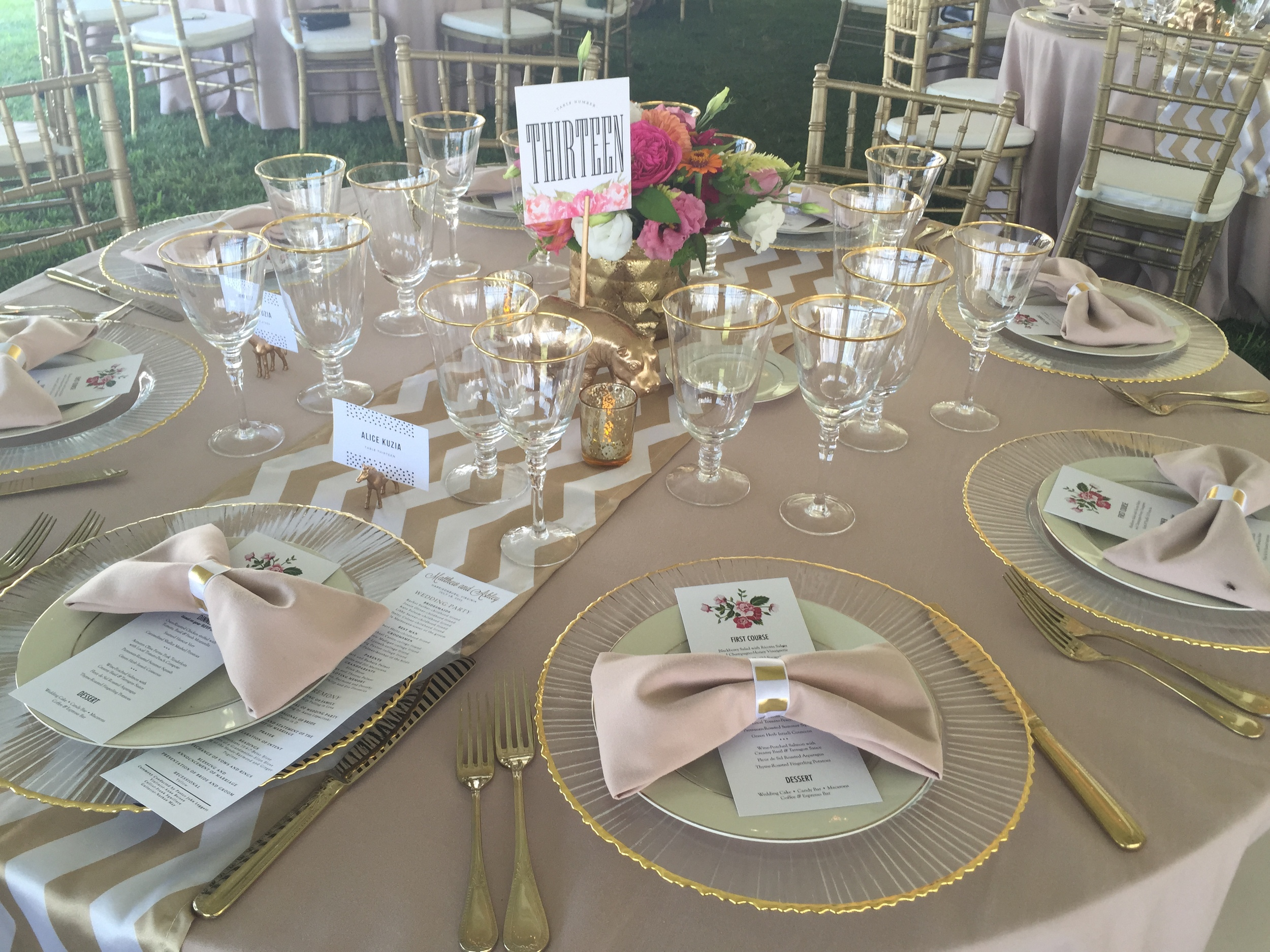 Ah! Tables! Gold everything!!! So beautiful! And a special shoutout to our team for setting all of this up!