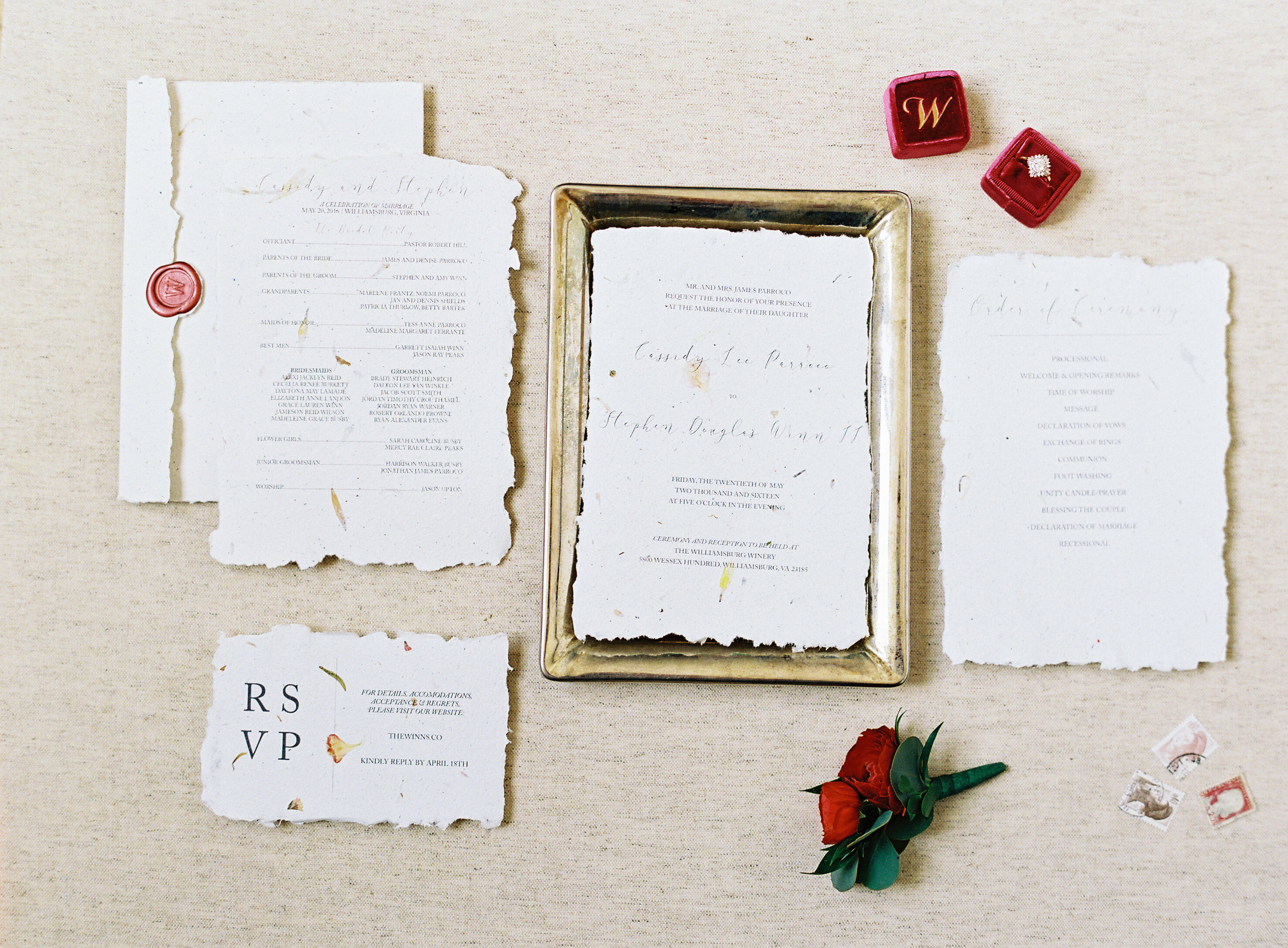 Cassie's invitation suite was DIY. I mean, c'mon! So beautiful!!