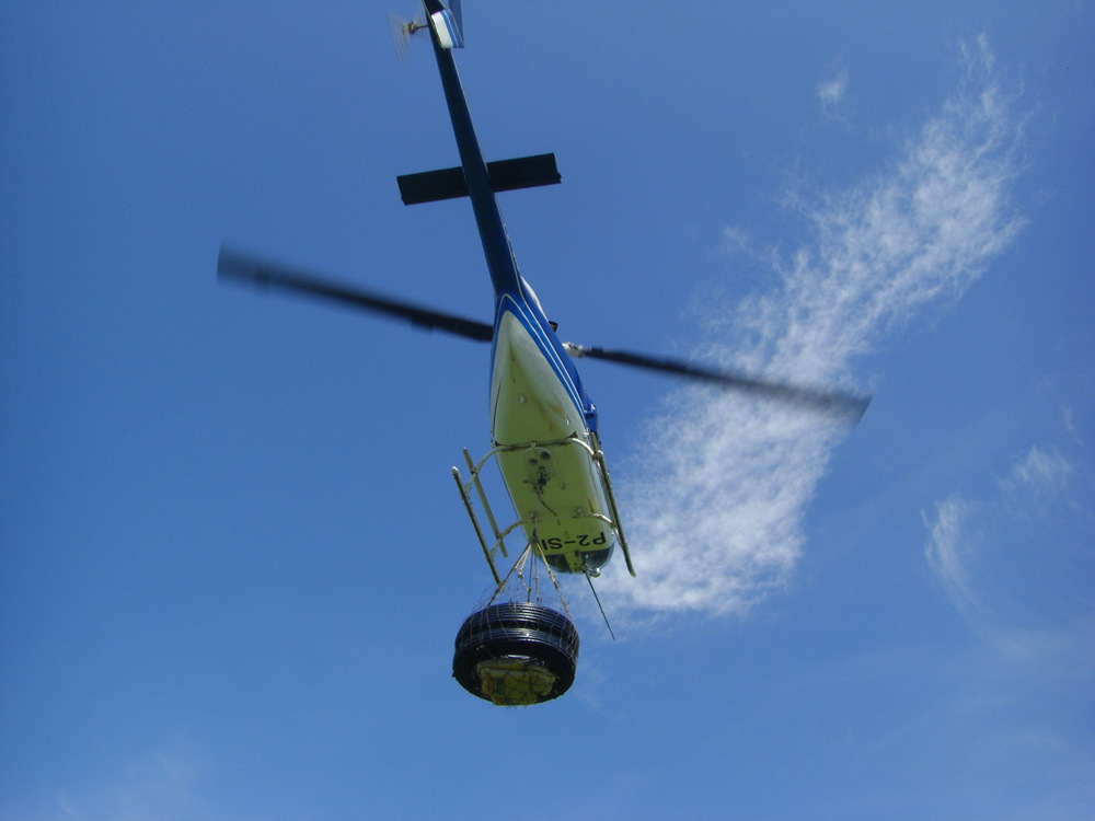 Helicopter with sling load