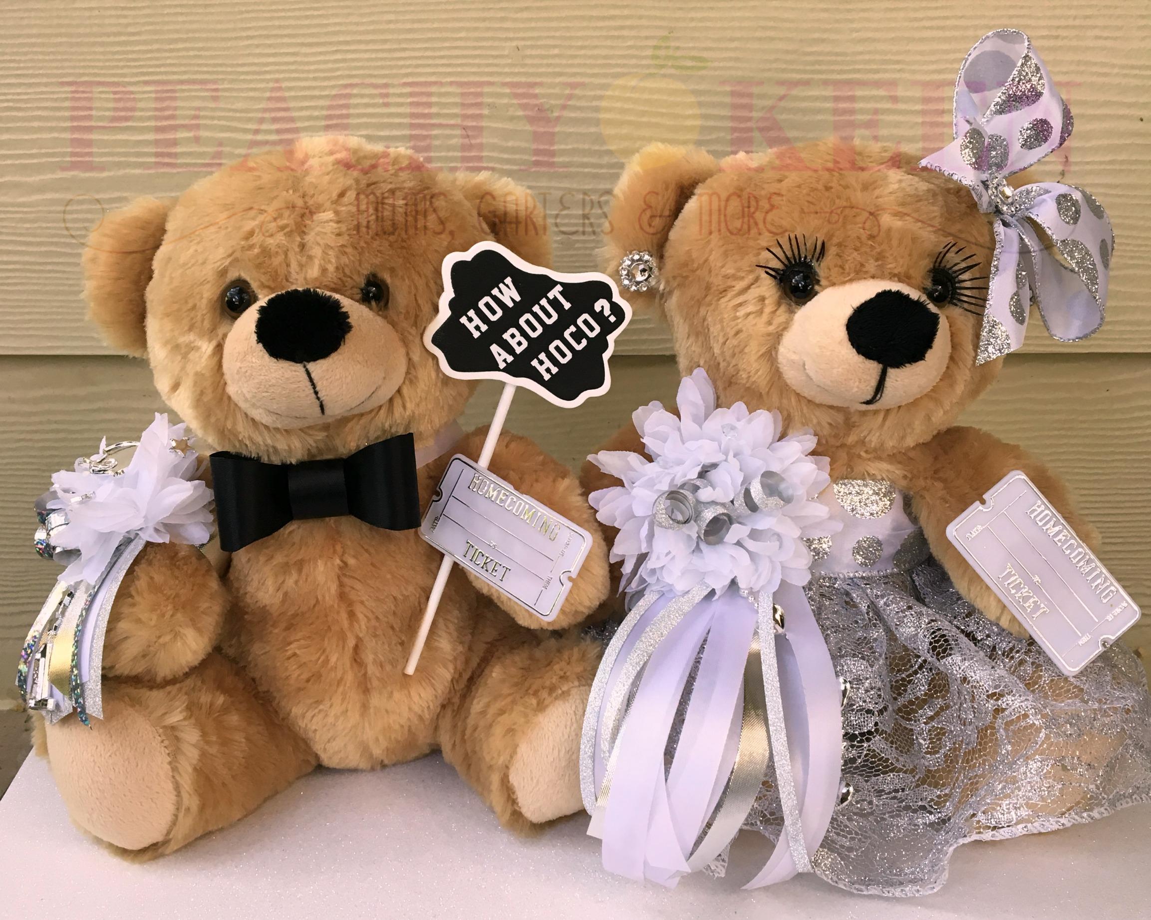 Homecoming Proposal Bear Couple