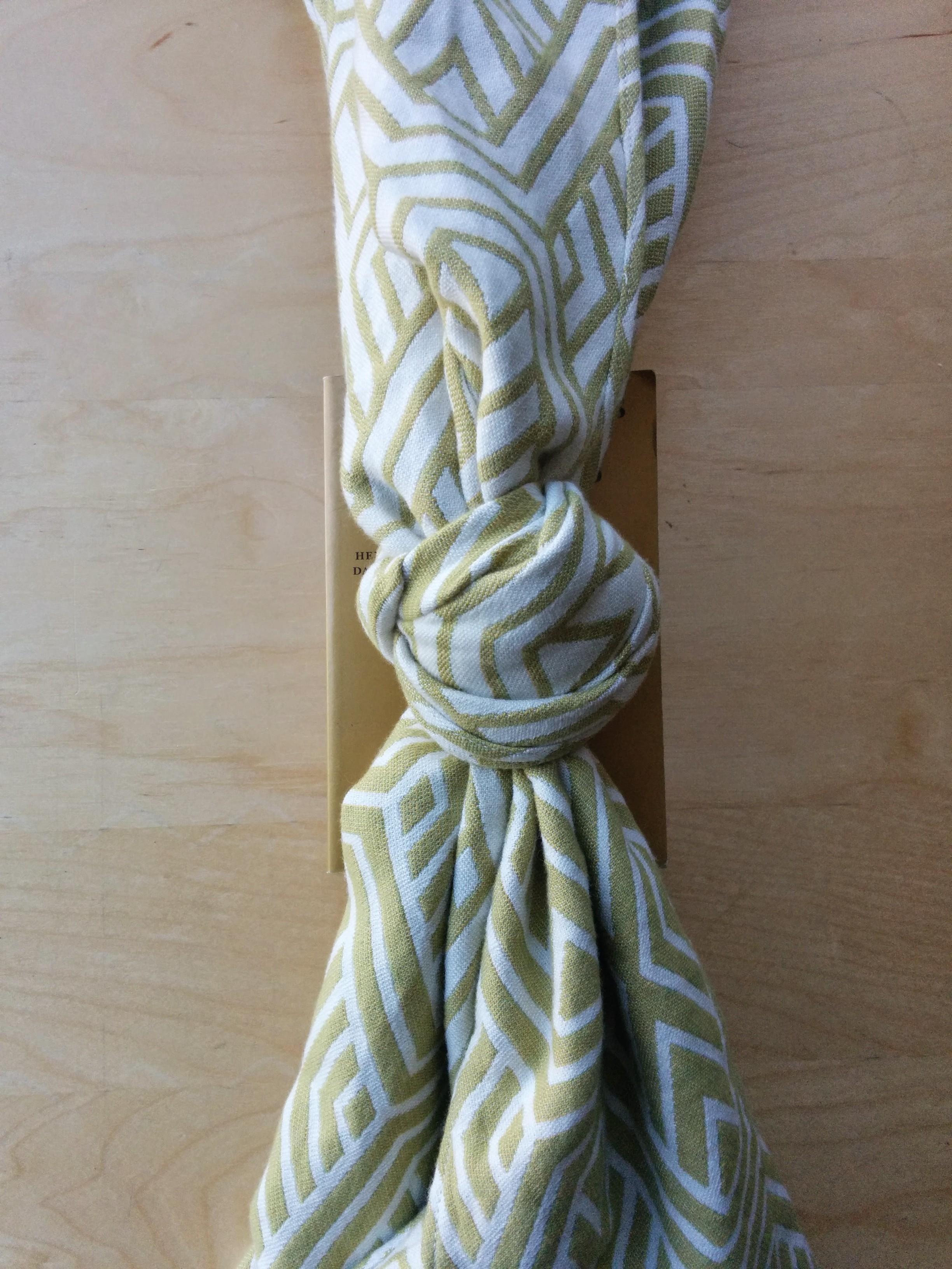 Leaf Gold Knot